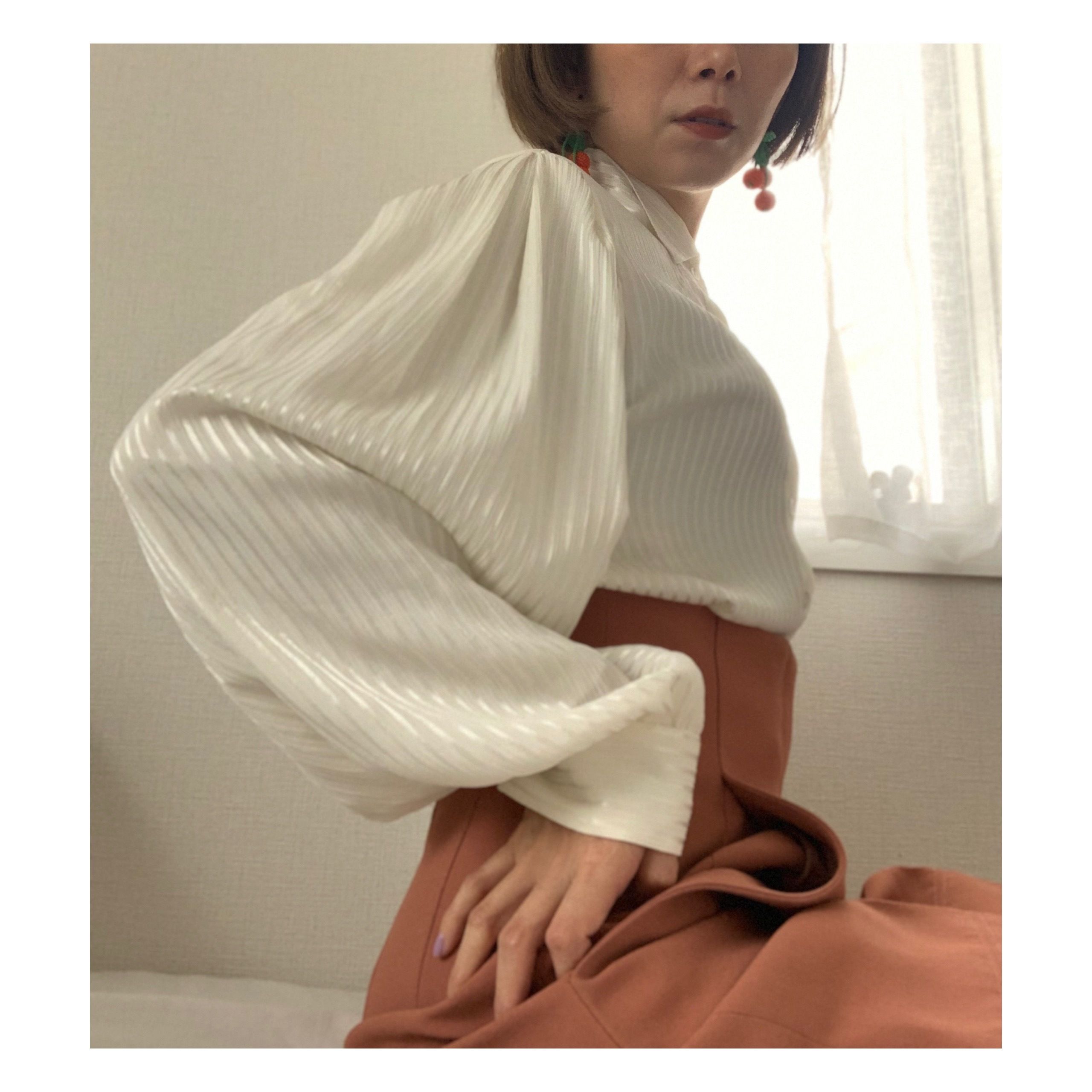 【POP UP出展予定】 80's vintage shiny silky ivory balloon sleeves
