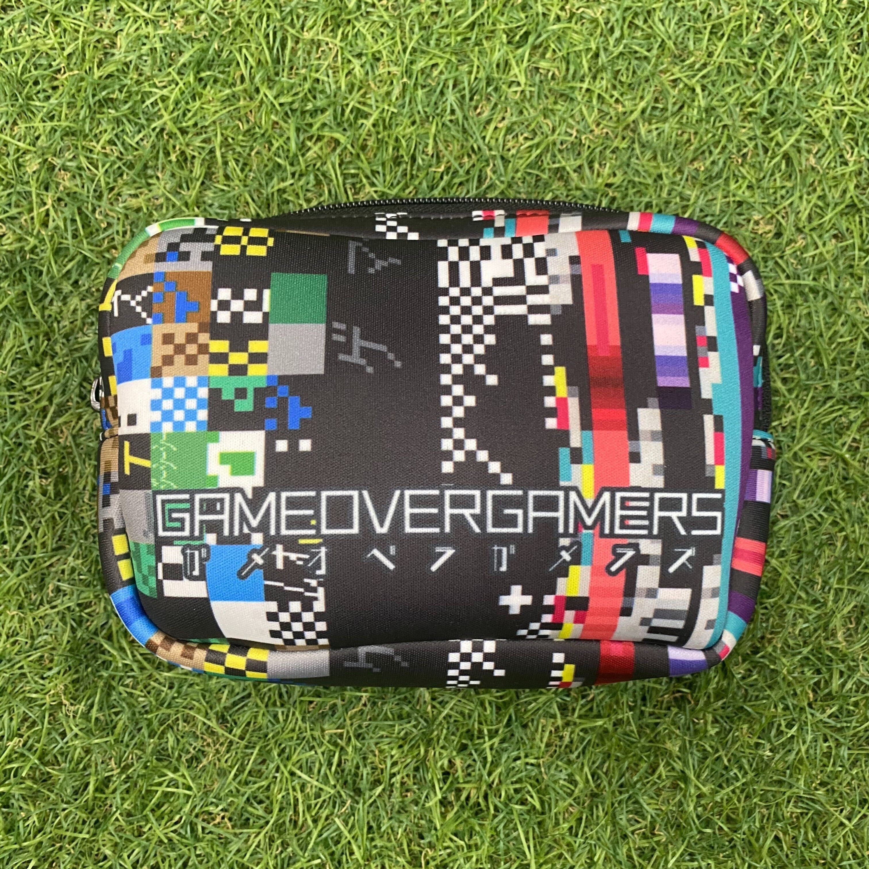 GAMEOVERGAMERS-Pouch