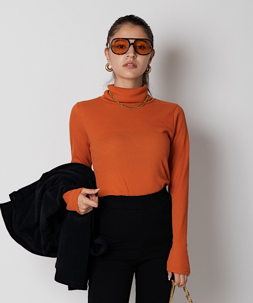 Daily high neck top