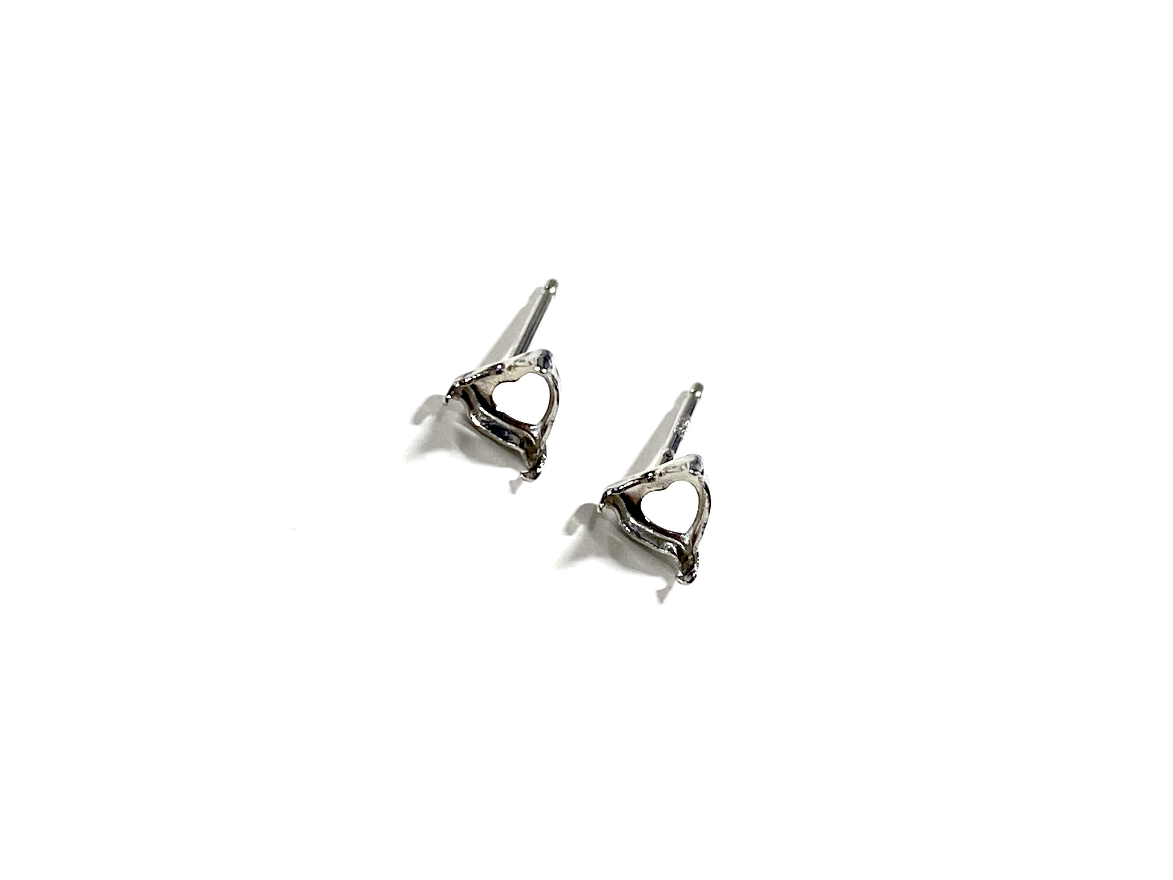 【K10WG】『タテヨコ5mm』ハートシェイプカット対応ピアス空枠 [空枠No,49]