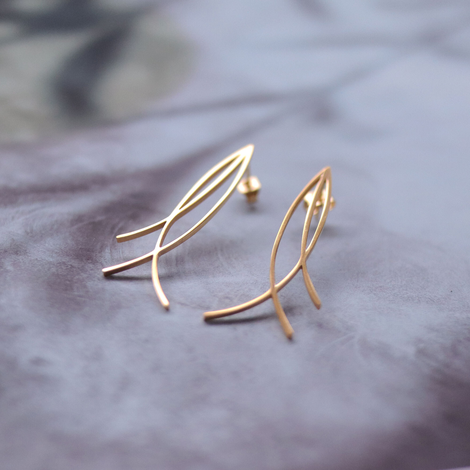 lines -gold-