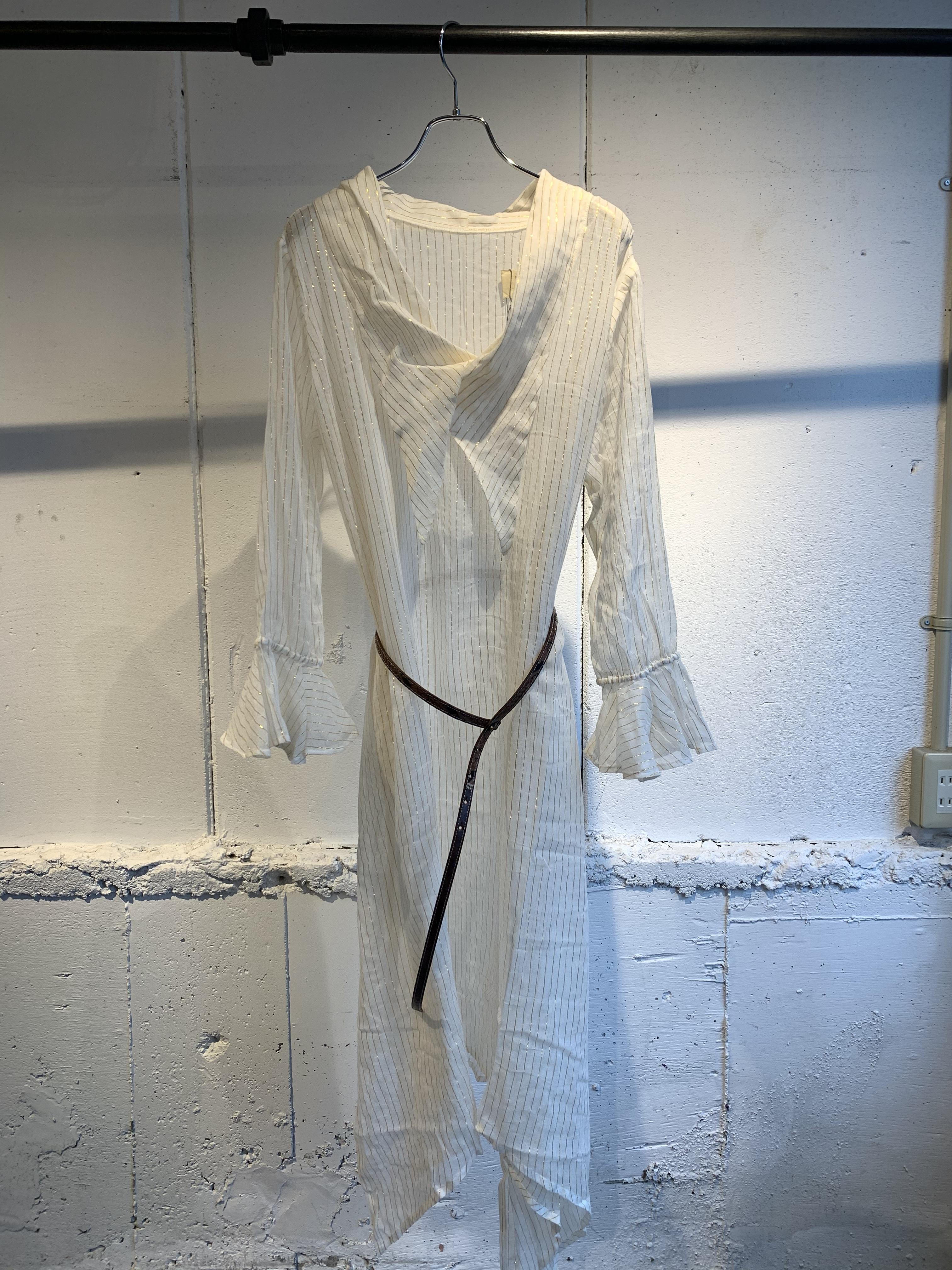 77circa   circa make gold thread arch hem one-piece w/belt