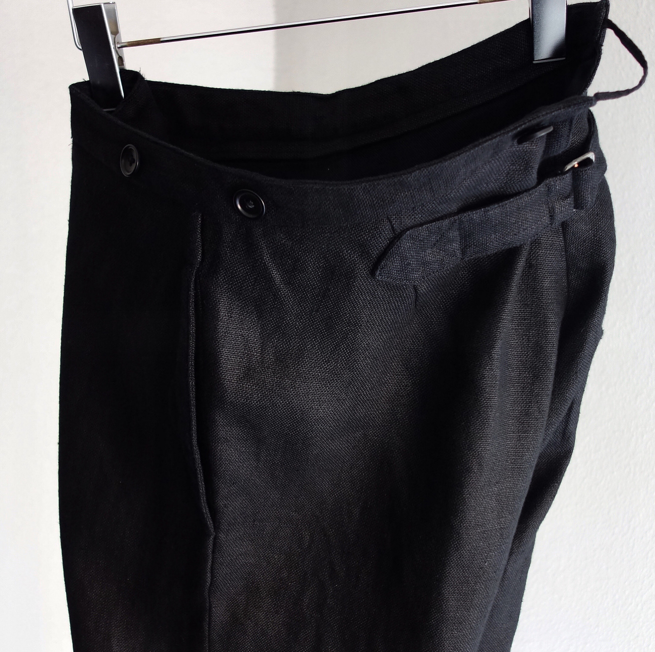 classic heavylinen trousers / black