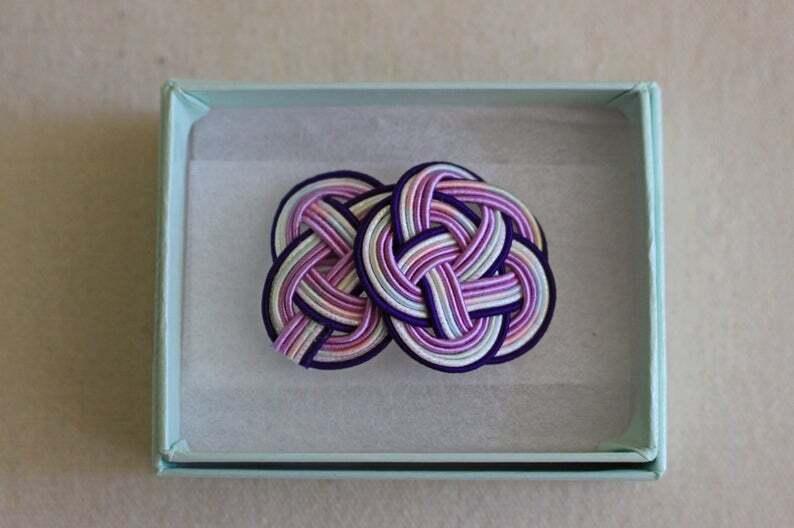 紫色梅&あわじ水引結びのブローチ
