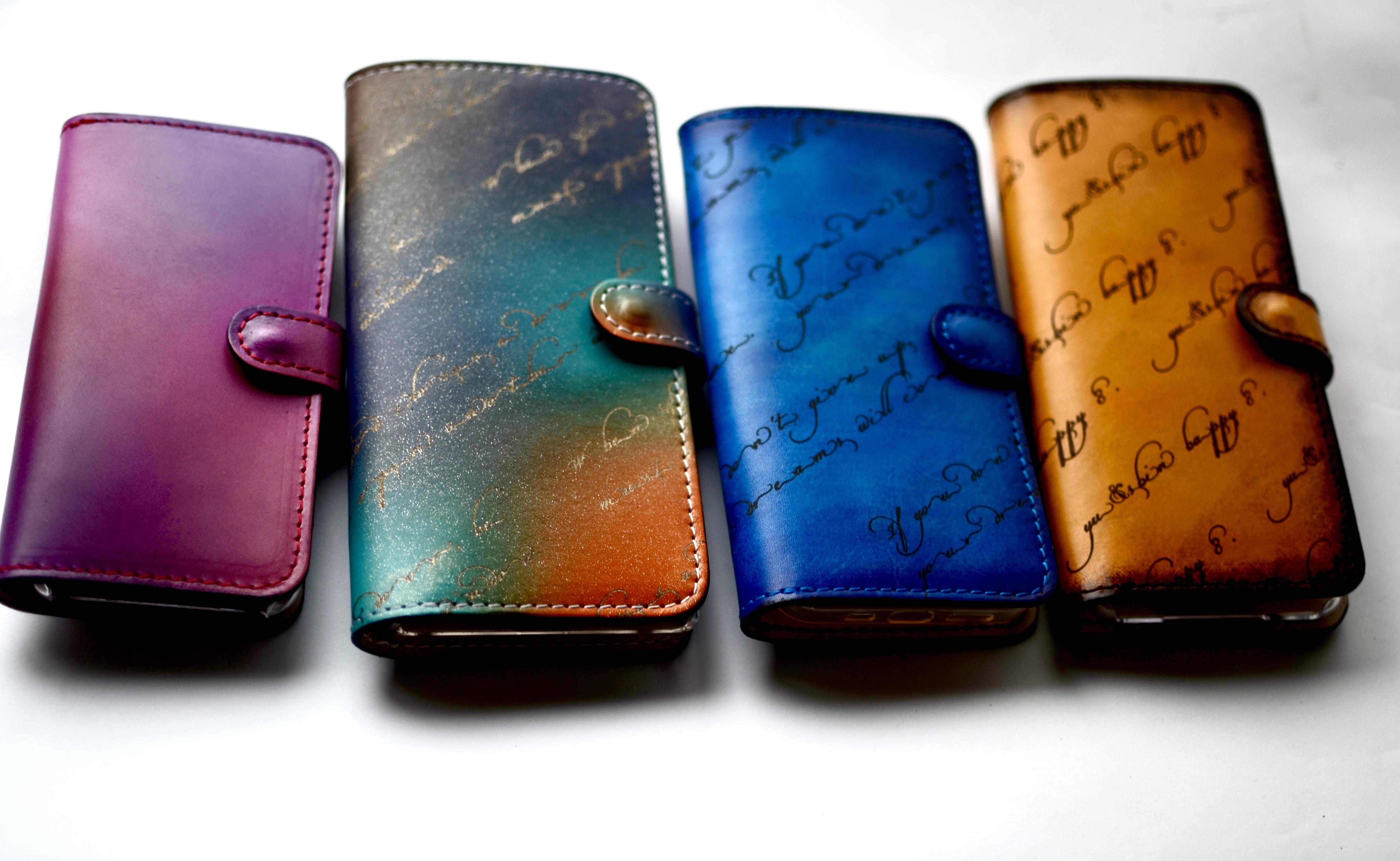 【色と文字を選べるオーダーメイド】手帳型スマホケース(カードポケット 3つタイプ)