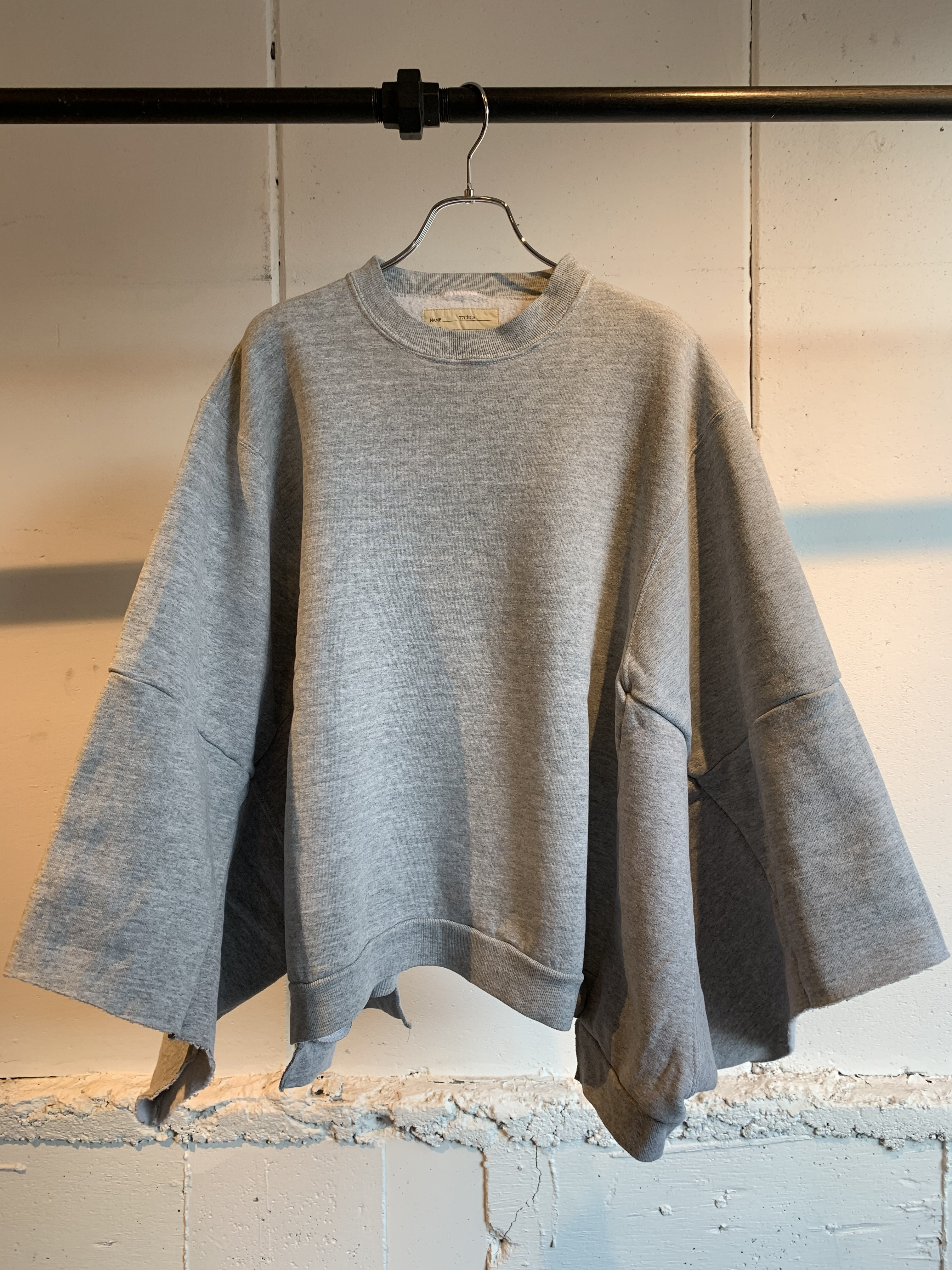 77CIRCA circa make wide set in short sleeve sweat top (Gray) ②