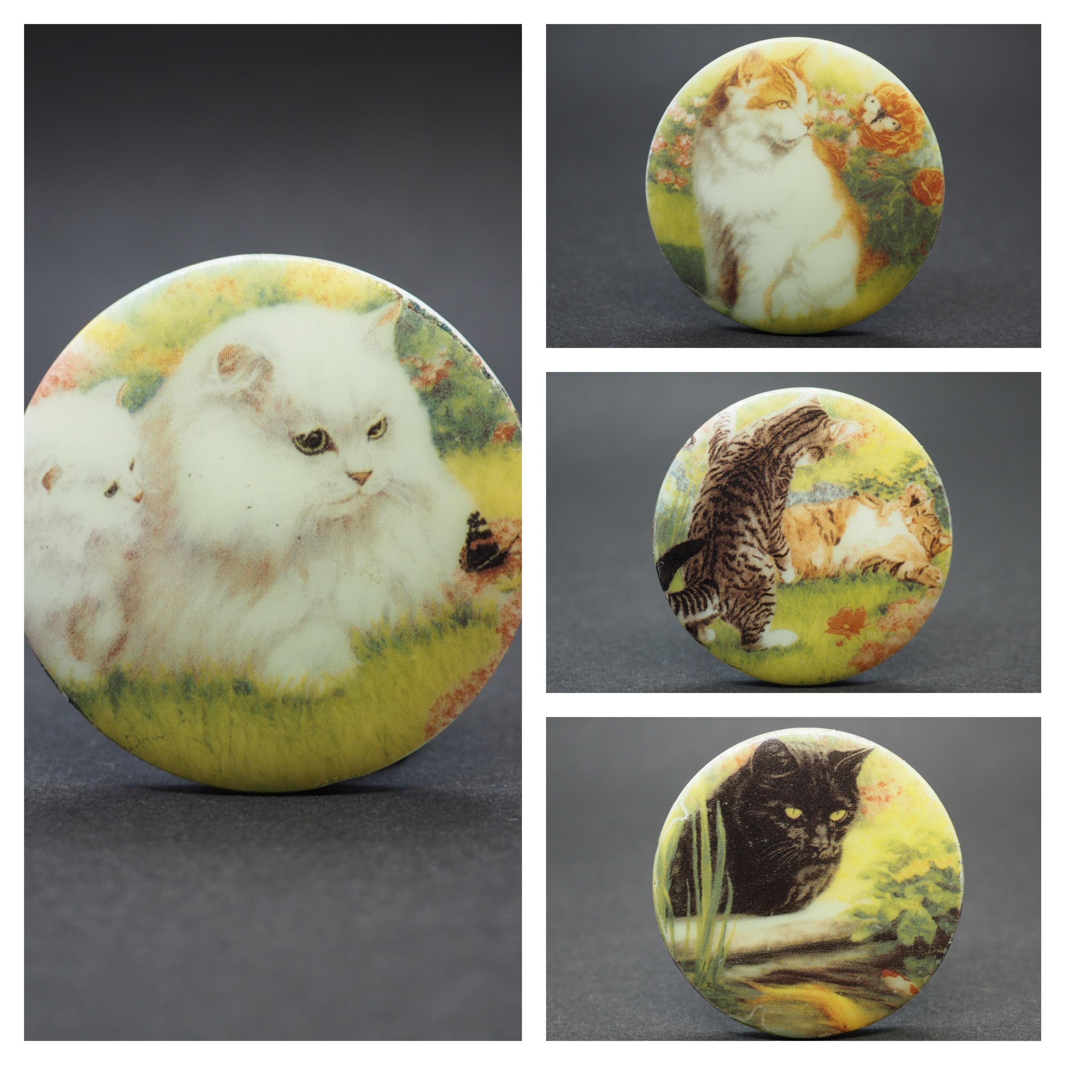 猫の大きなボタン3  チェコガラスボタン