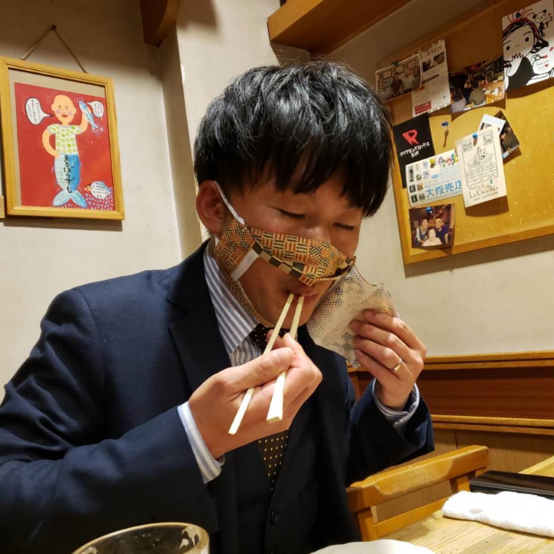 日本初!食事の時に使用するマスク!『イートマスク』①持ち運びも便利(マスクカバー付)【全国送料無料】