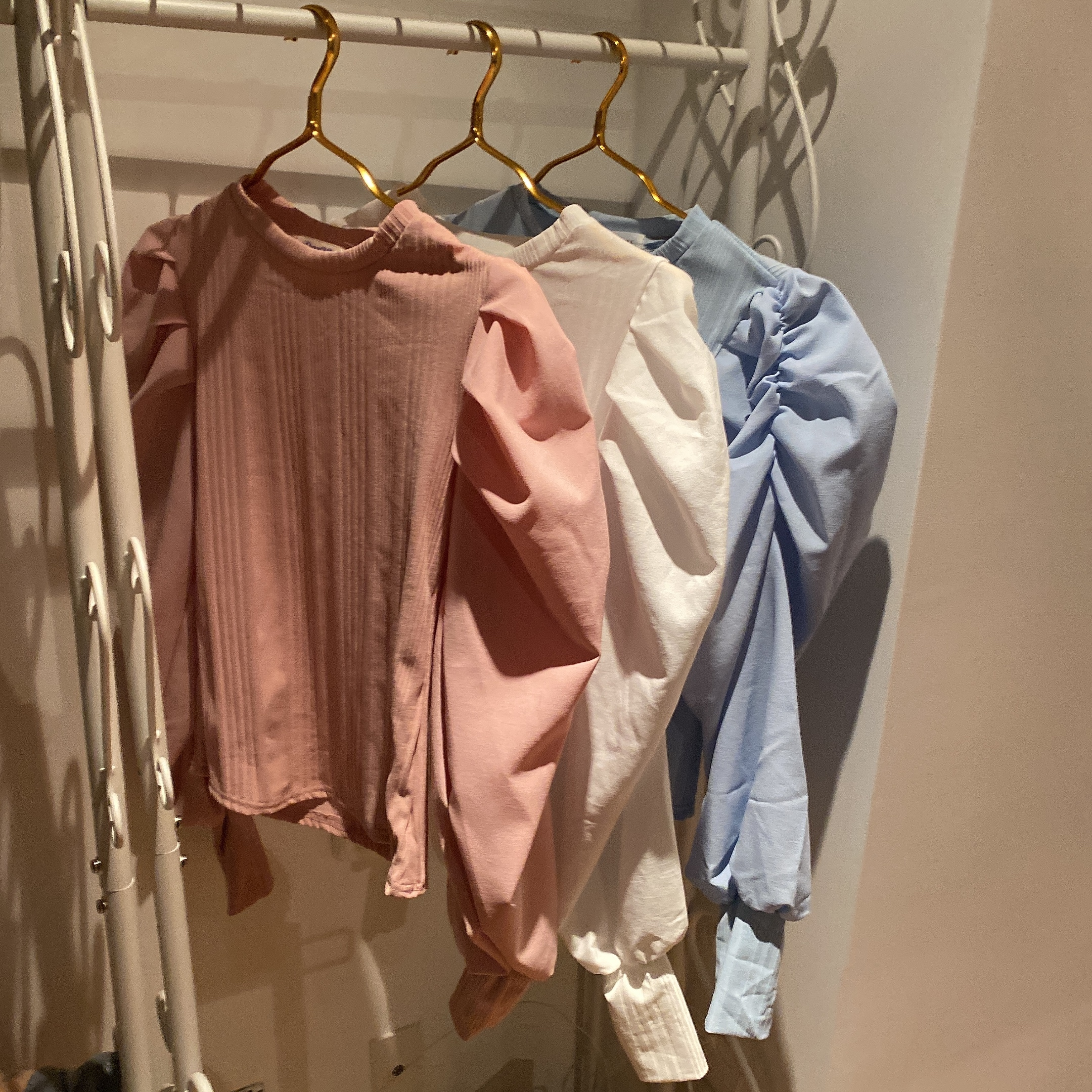 spring puff tops