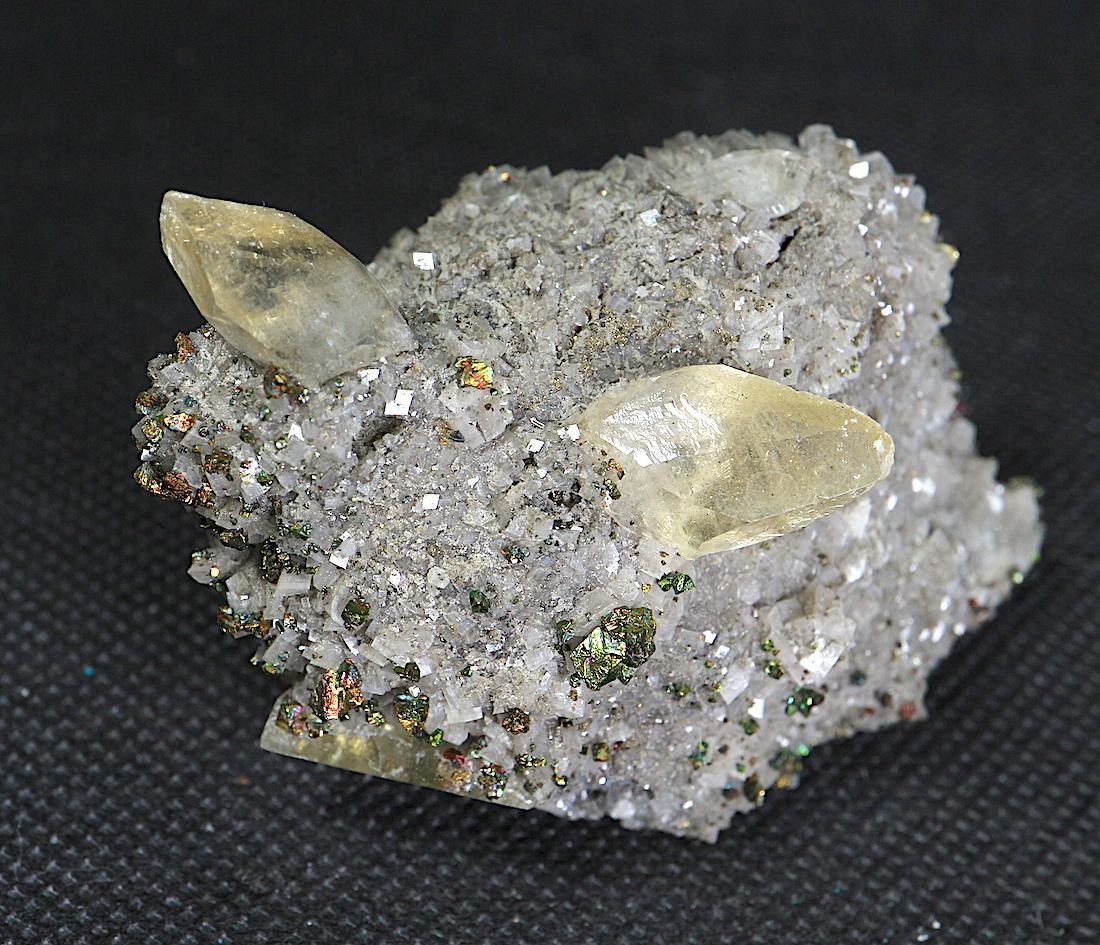 カルサイト + 黄銅鉱ミズーリ州産 103g CAL018 原石 天然石 鉱物 パワーストーン