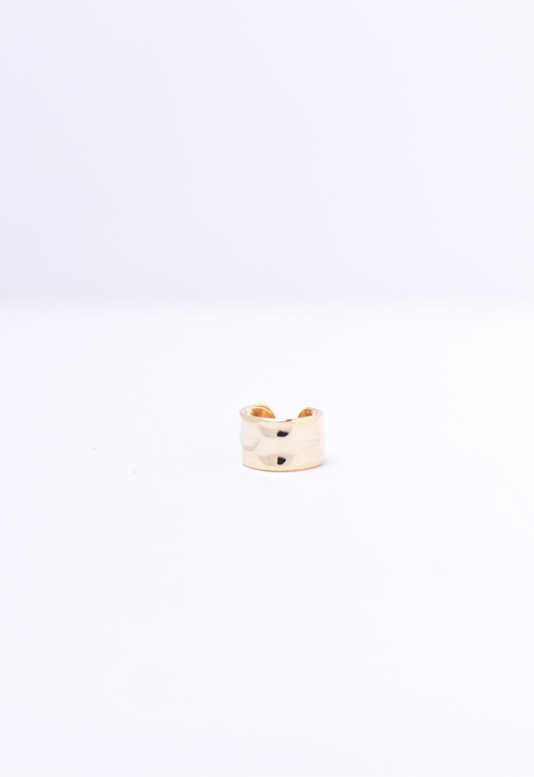 hammered ear cuff /gold