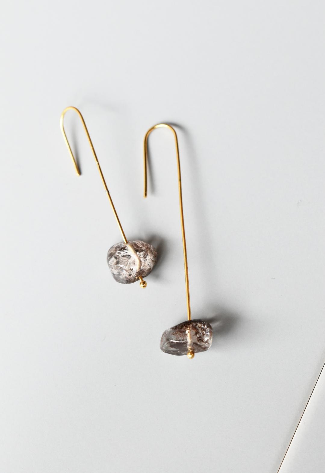 notice stone pierce / B / smokey quartz