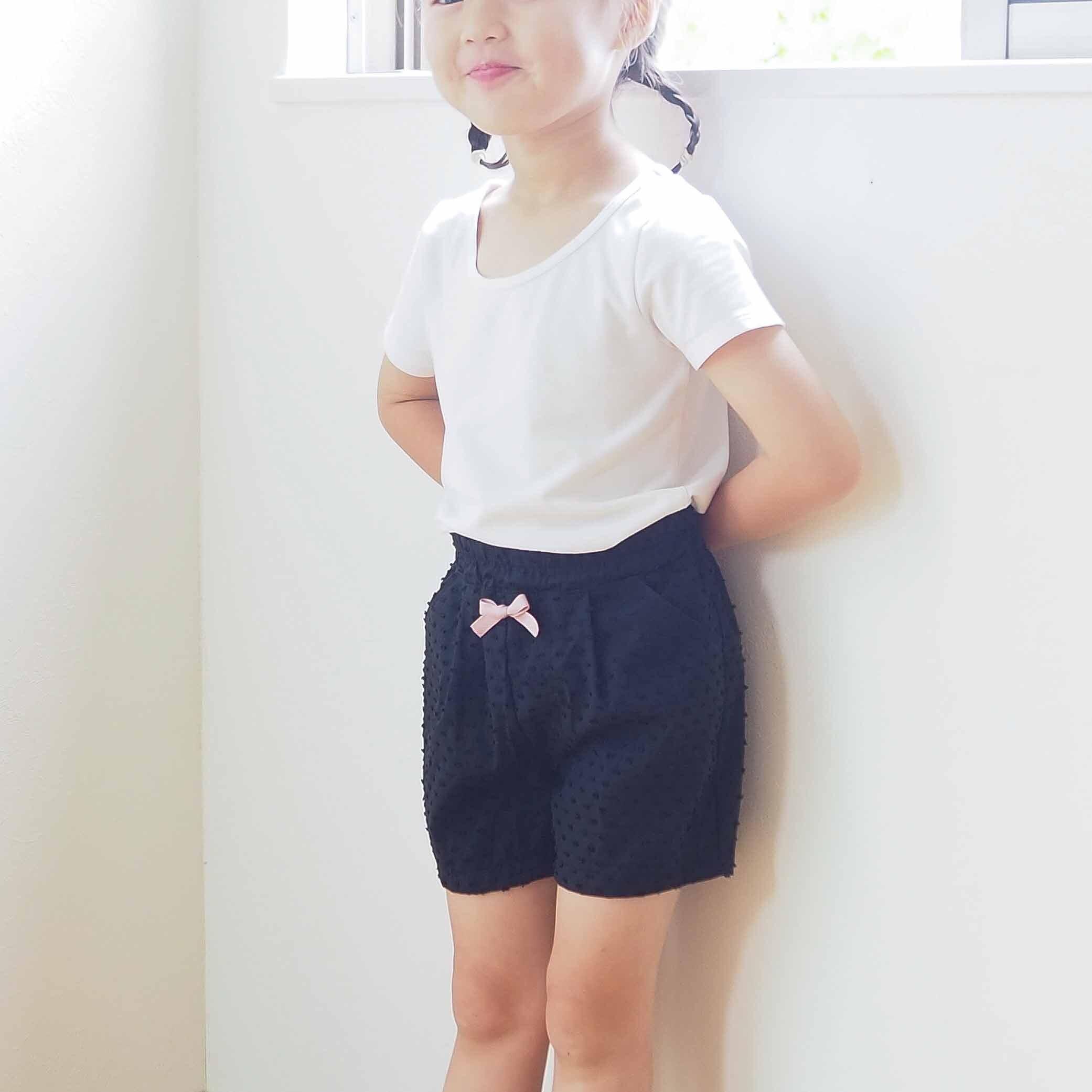 スカート/ワンピースの下に履くパンツ(みずたまブラック)
