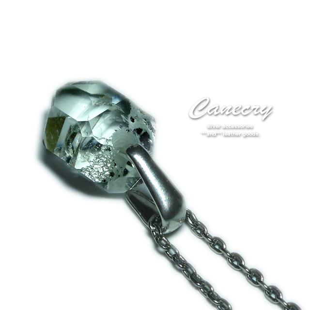 ハーキマーダイヤモンドの原石ネックレス