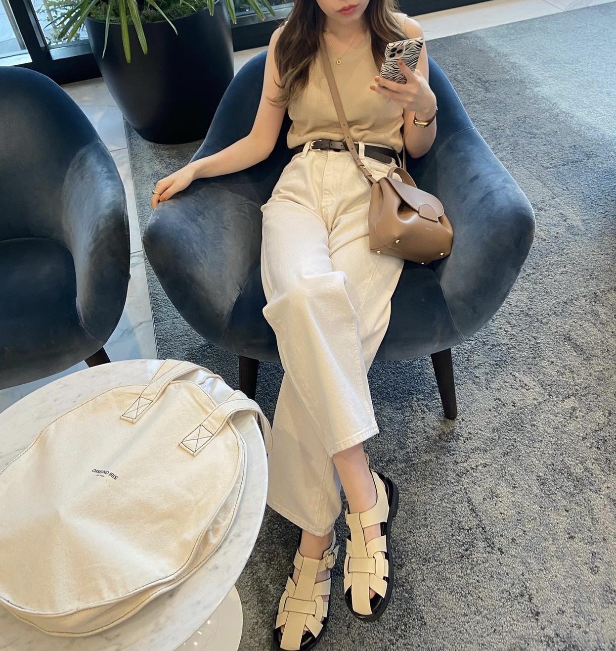 DAYNYC sleeveless tops(beige)