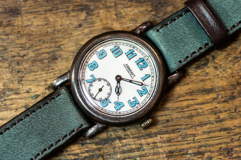 ヴィンテージ感とポップさのある腕時計(Miles SS/店頭在庫品)