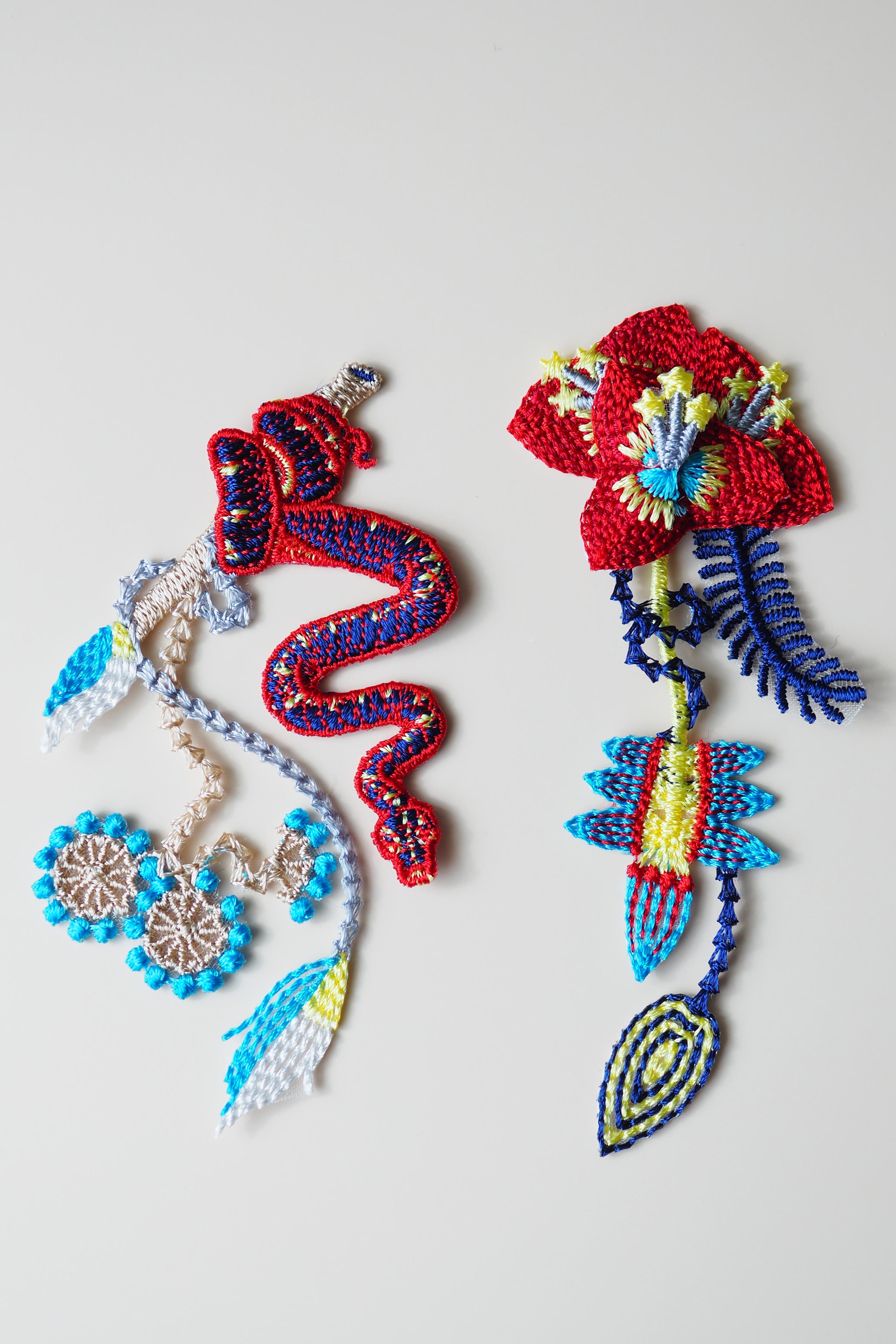 ARRO / Embroidery earring / GARDEN / red