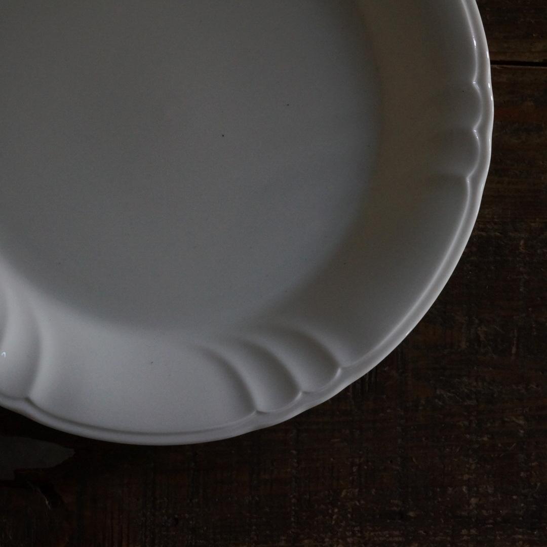 古い国産の陶器皿