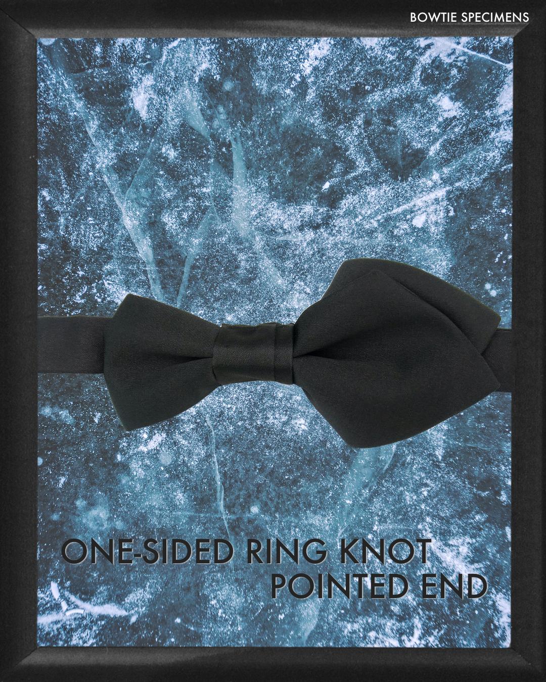 復刻版  方わな結び・ポインテッドエンド (ブラックサテン/ソリッド) 作り結び型〈蝶ネクタイ デザイン ポインテッド 黒 bowtie specimens〉