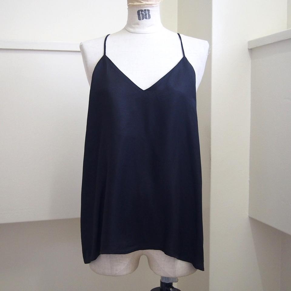 【hippiness】cupro  Vneck camisole(black) /【ヒッピネス】キュプラVネックキャミソール(ブラック)
