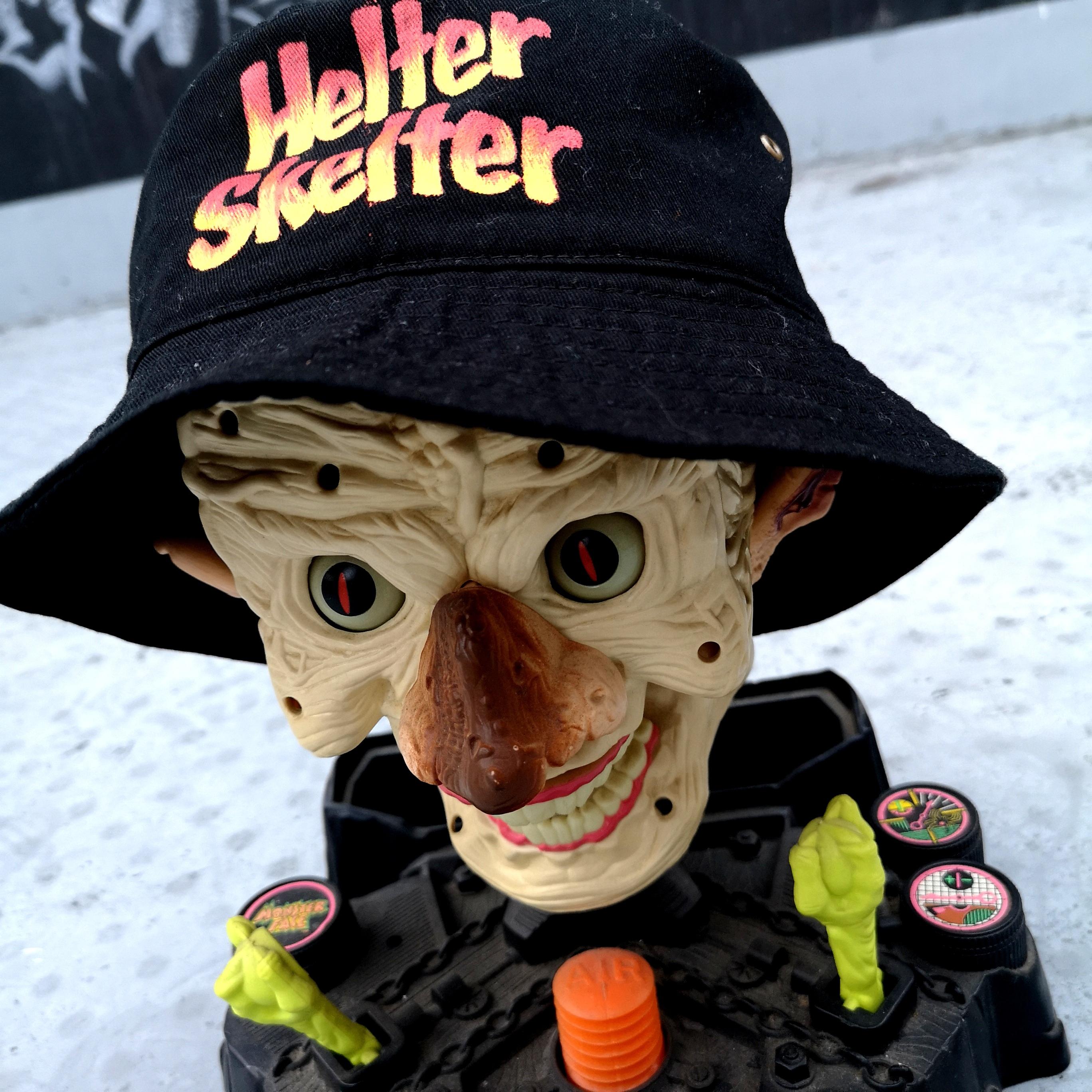       HELTER SKELTER BUCKET HAT