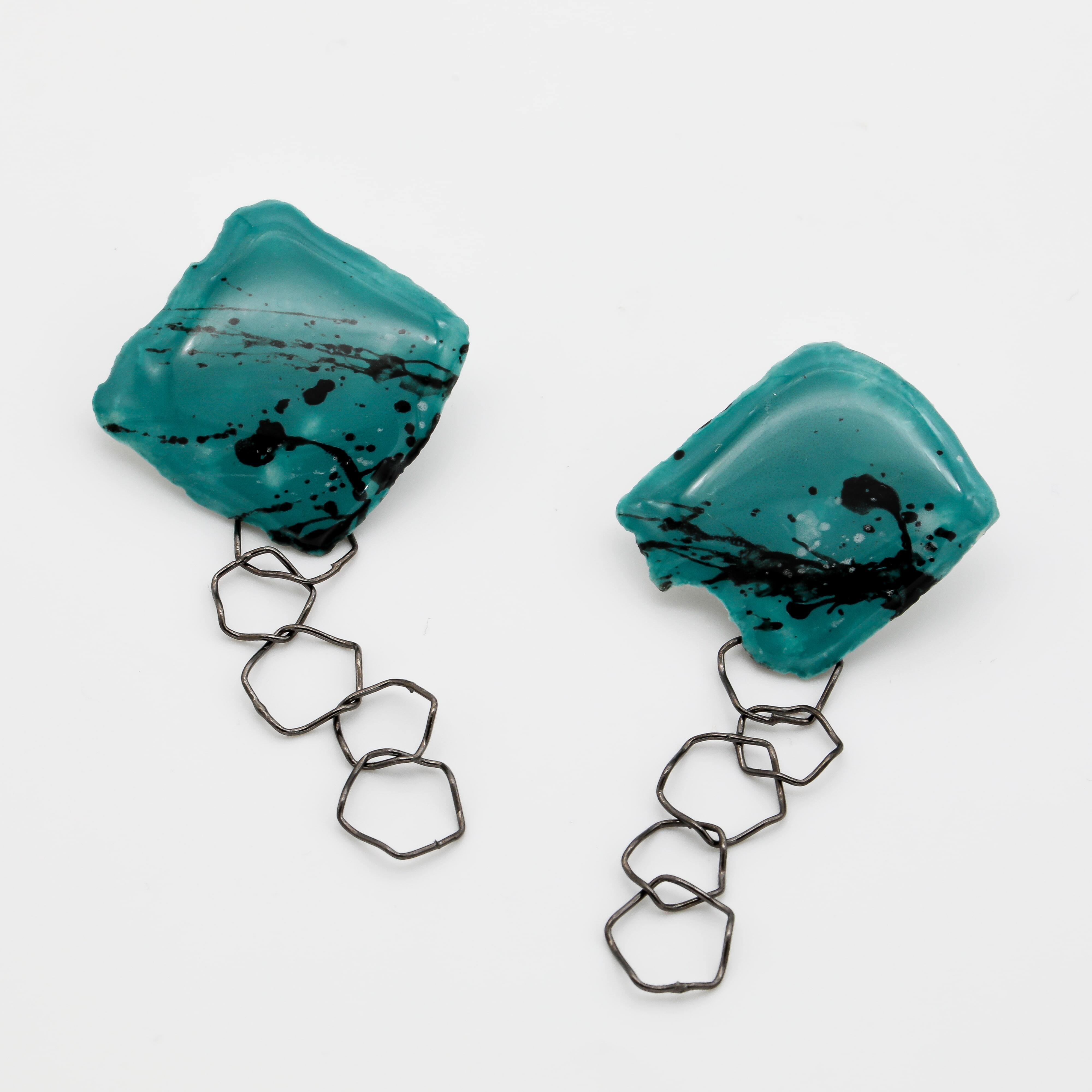 """""""カミノカタチ"""" Ceramic paper pierced earrings ◼︎Green╳Black"""
