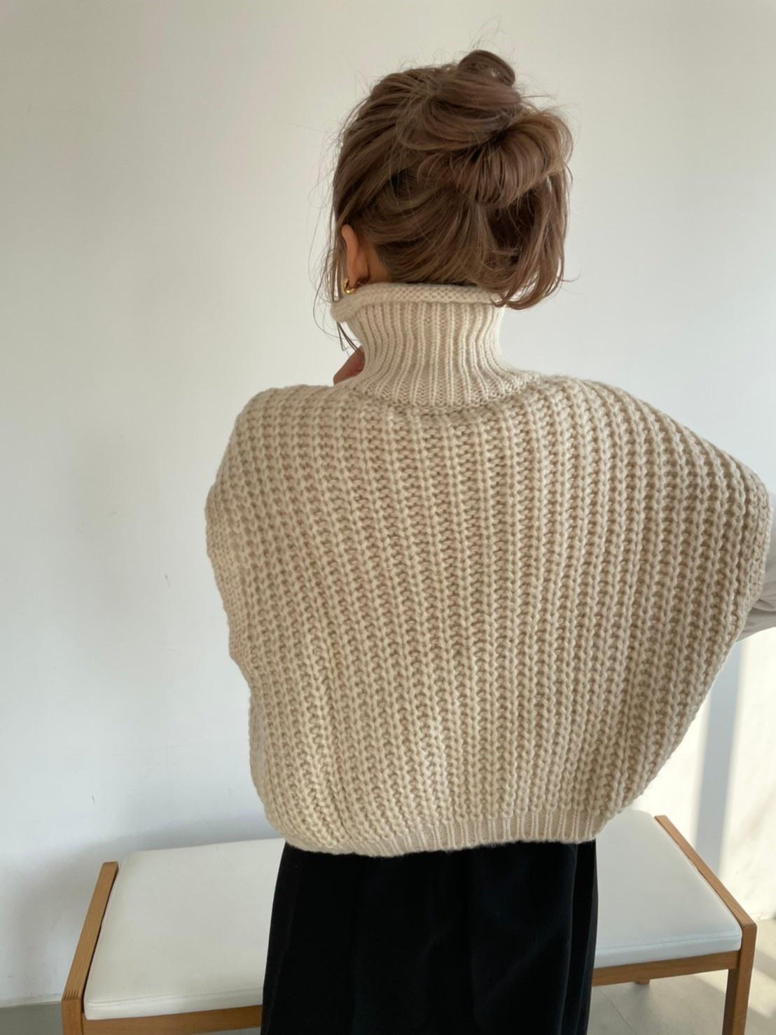 hight neck knit vest 12/24-13