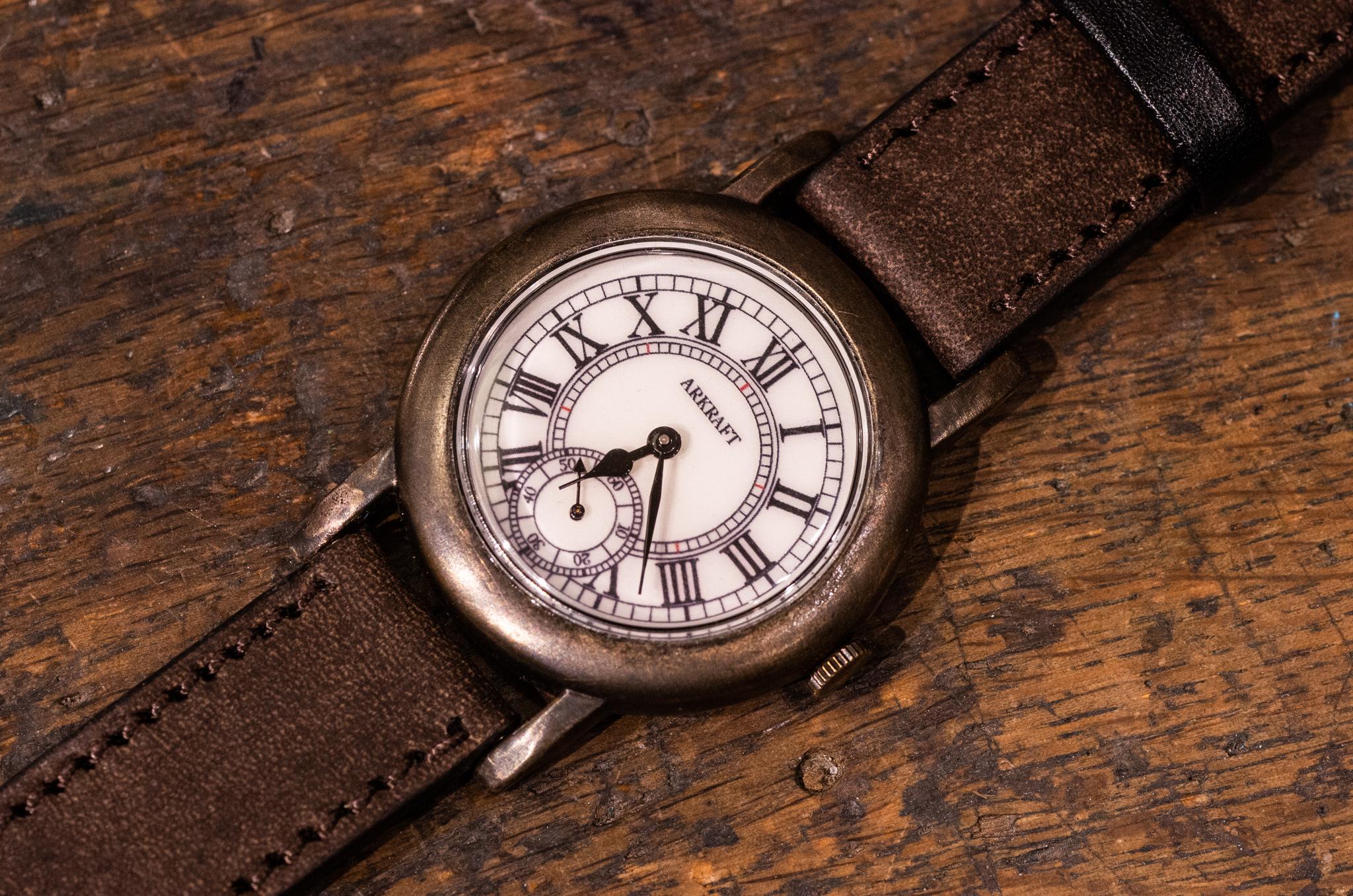 クラシカルな雰囲気のローマ数字の腕時計(Otis SS/店頭在庫品)