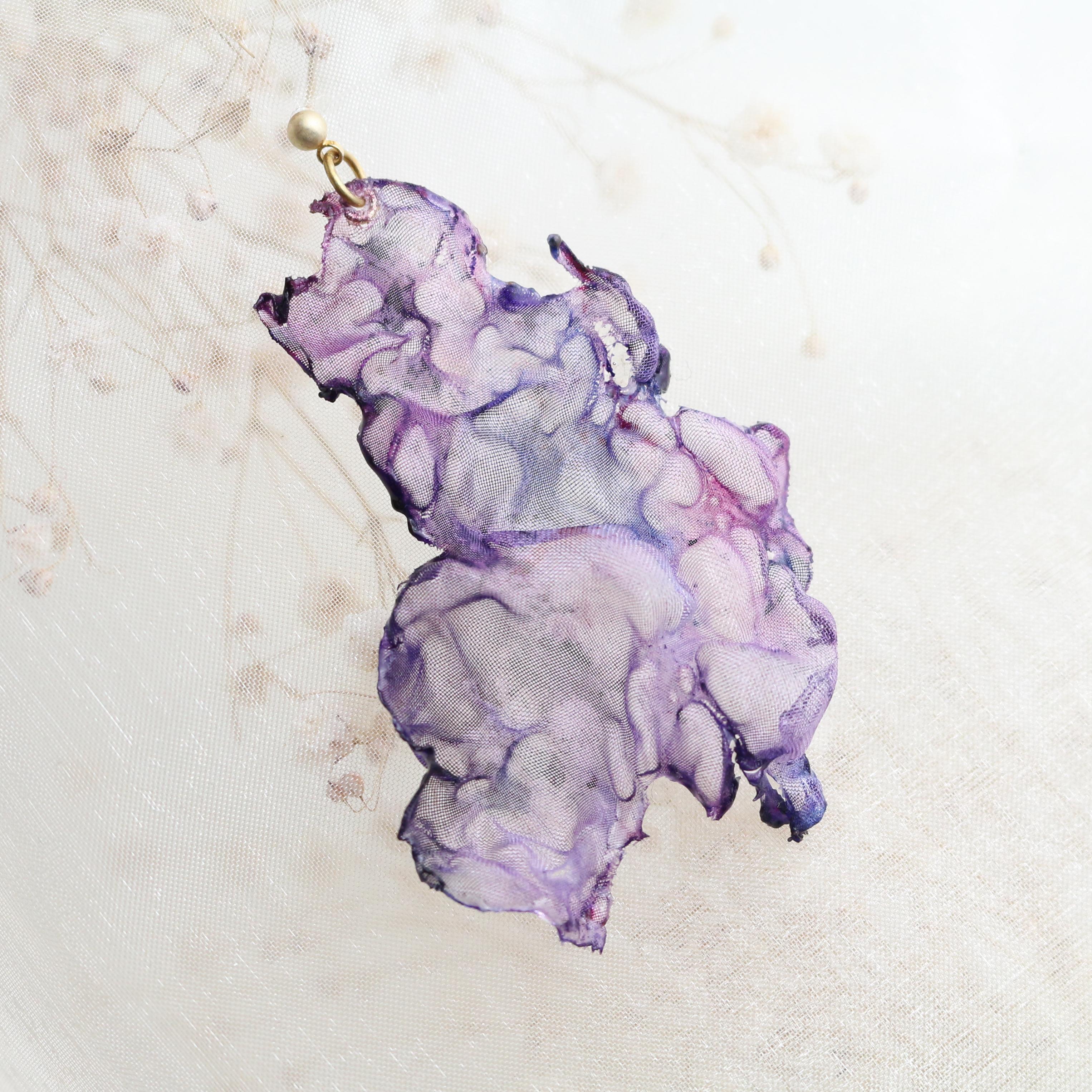 紫星雲の宇宙|染めオーガンジーのゆれるアートピアス