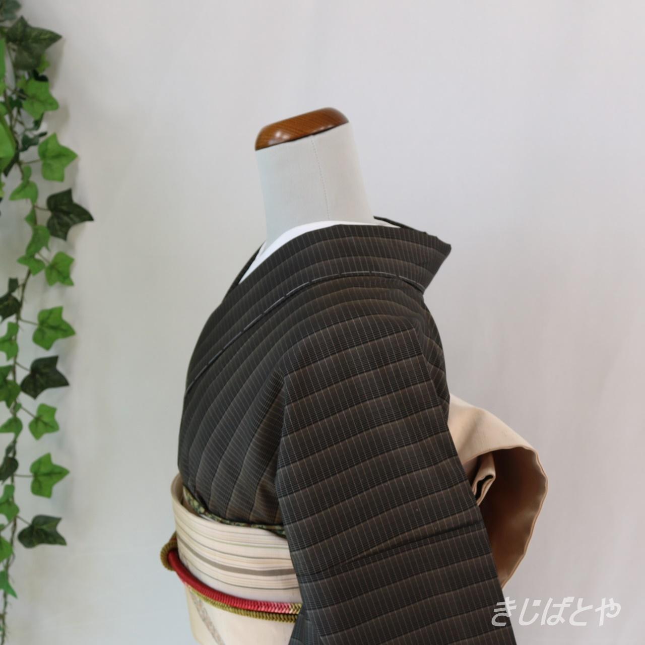 大島紬 黒地に格子の小紋 袷