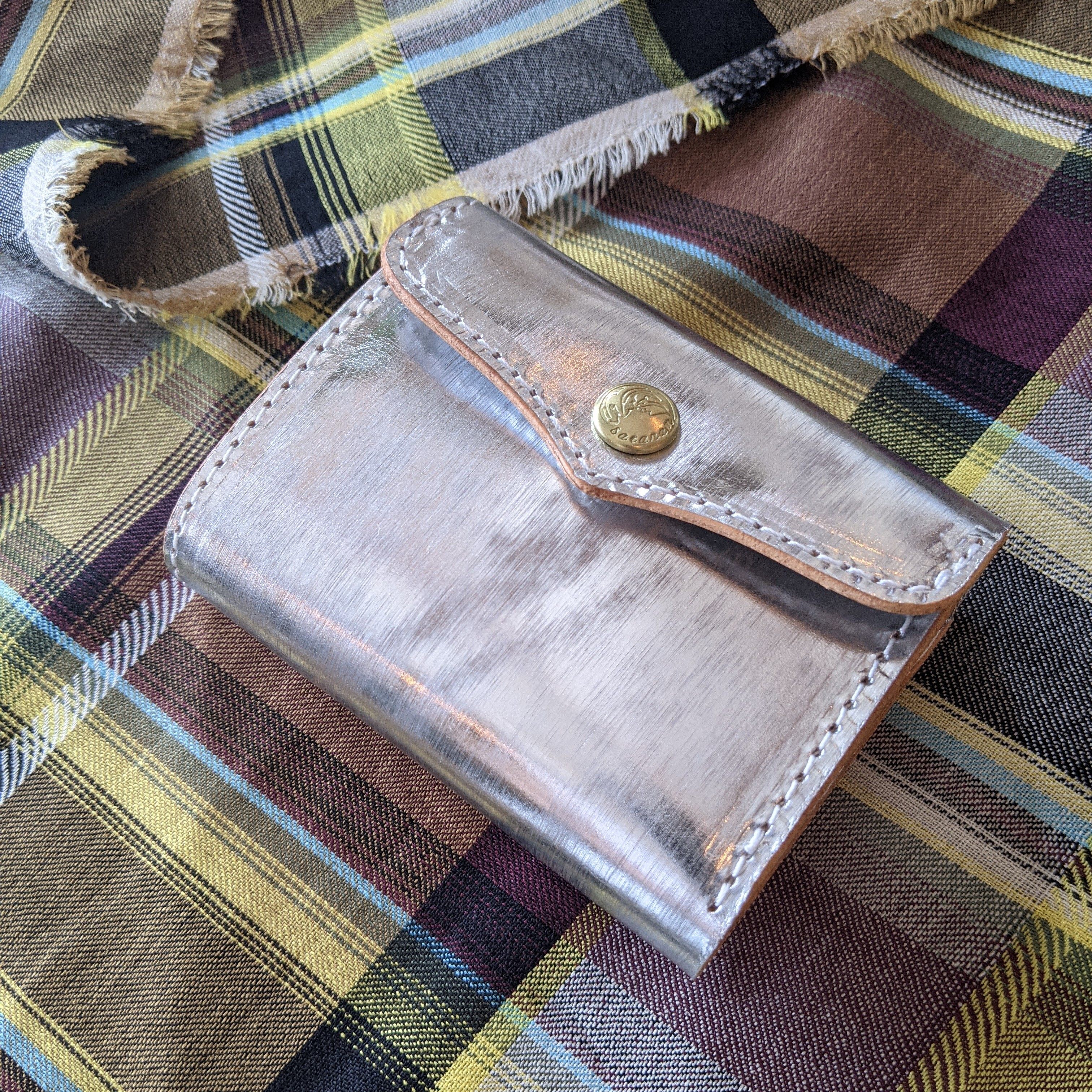 【 saranam 】サラナン 三つ折り財布 silver シルバー