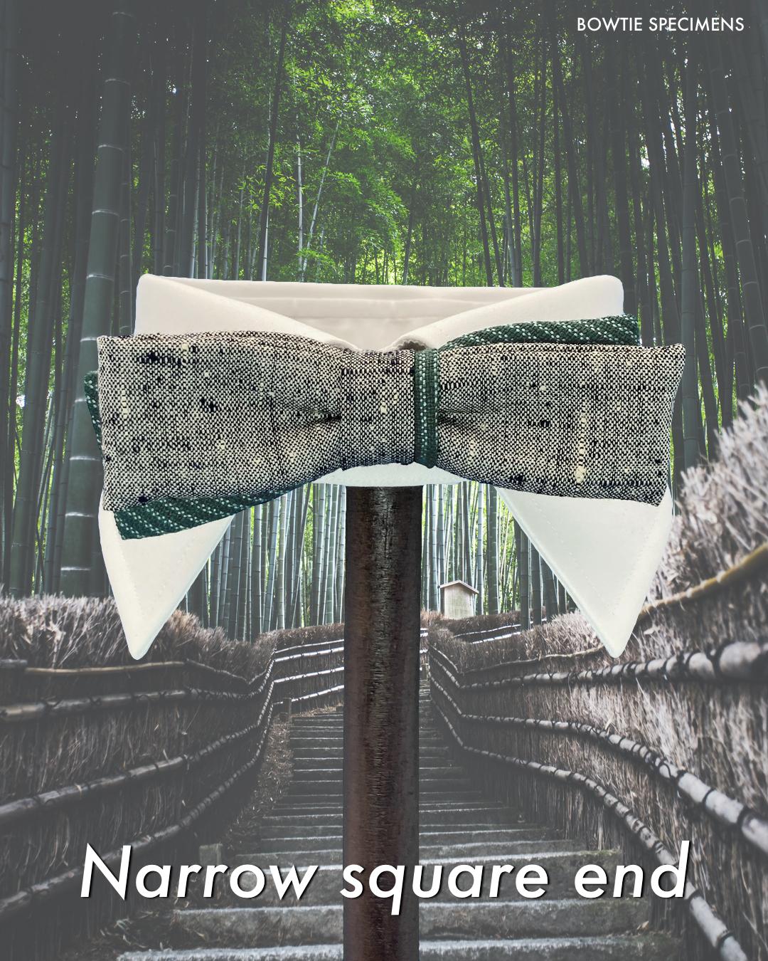 ナロー・スクエアエンド (グレー紬&グリーンストライプ) 作り結び型〈蝶ネクタイ 柄 和柄 シルク 絹〉