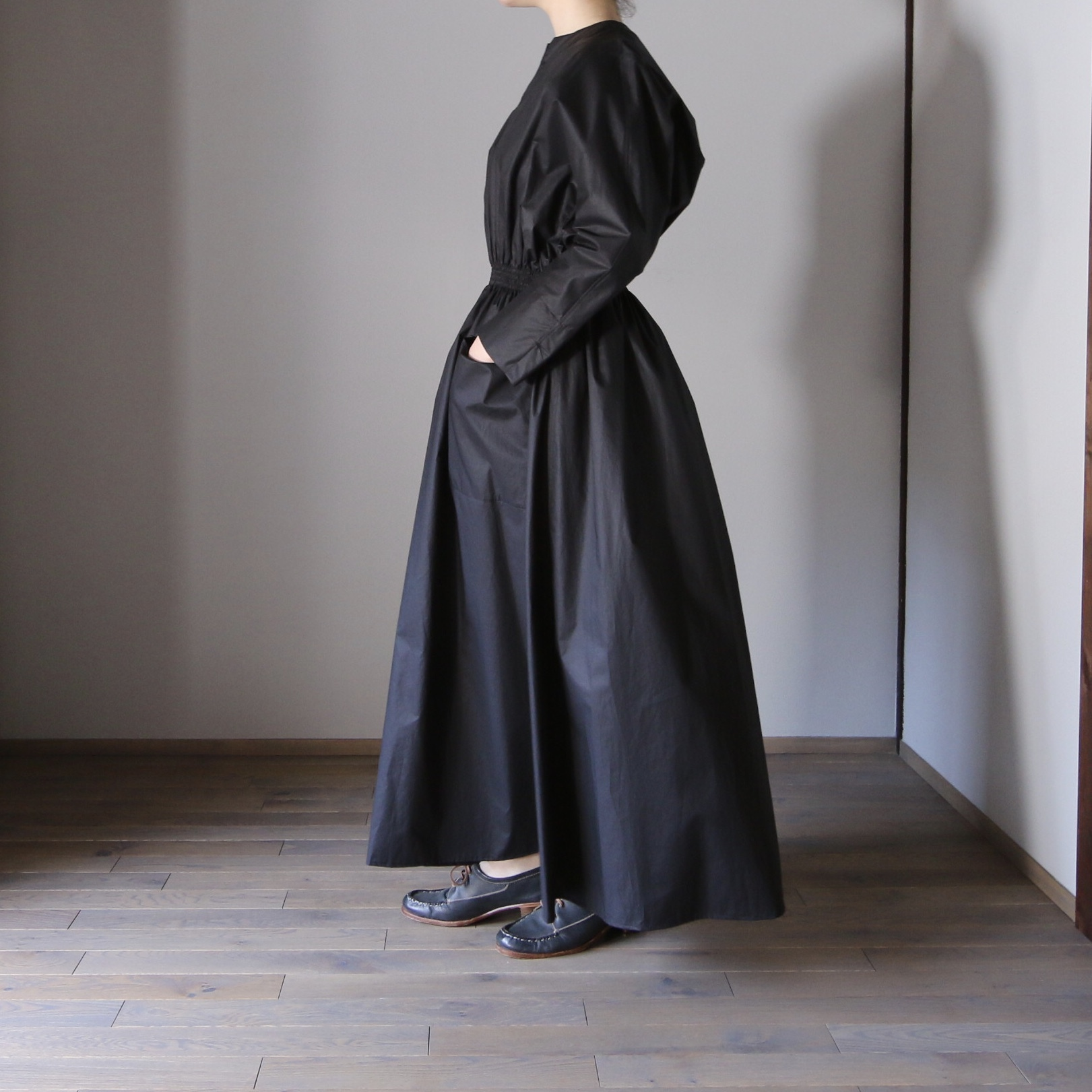 TENNE HANDCRAFTED MODERN/テン・ハンドクラフティッド・モダン WEST SHARING ONE-PIECE#21-003 NAVY