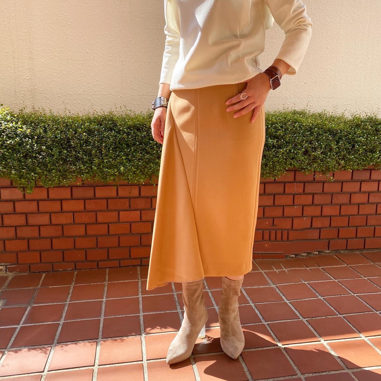N°21  バックファスナーアシメトリースカート