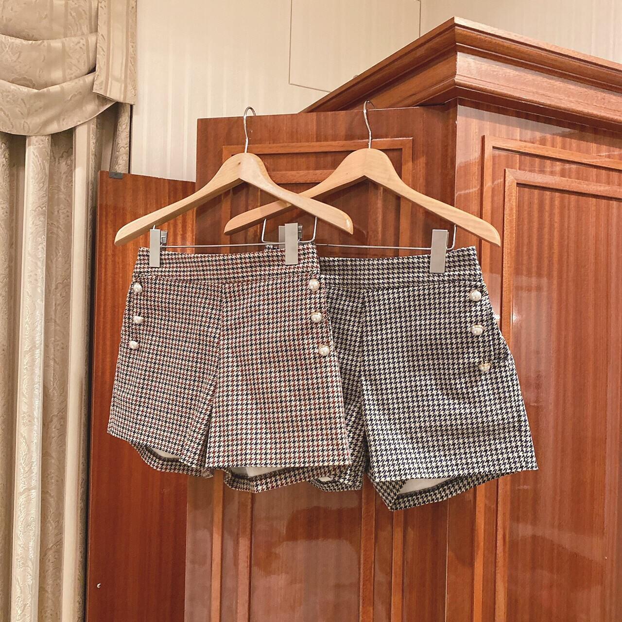 pearl button short pants