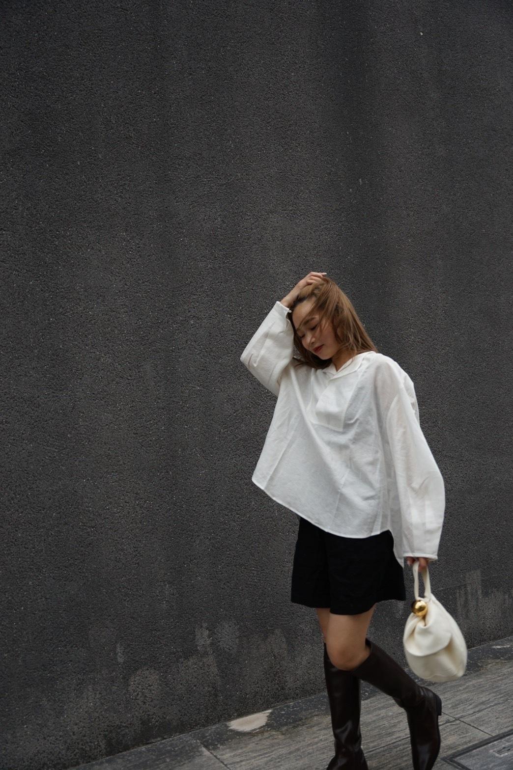 tuck volume sleeve blouse -white- (8/00L-2)