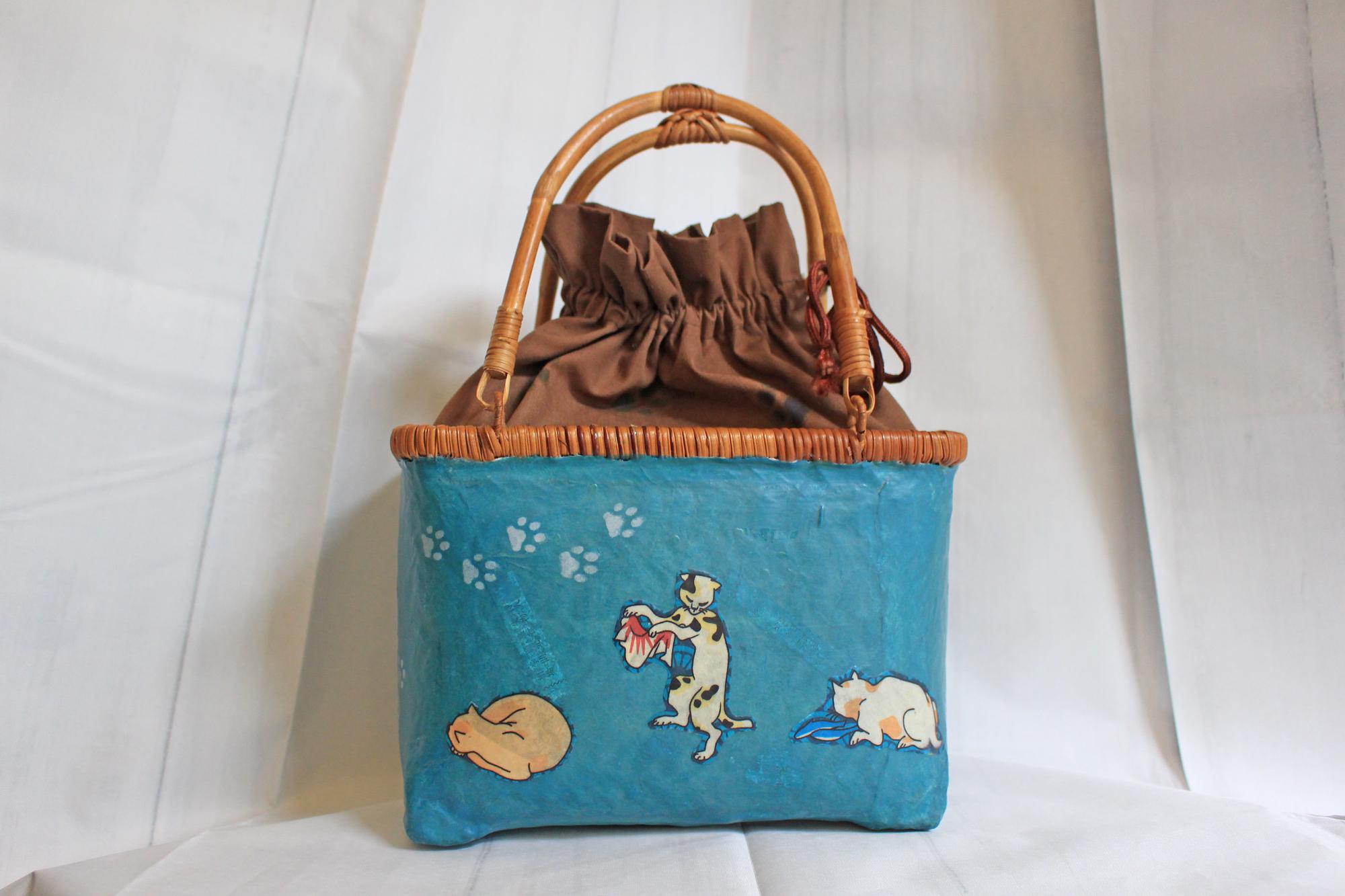 おみくじ入り和紙青色浮世絵猫柄かごバッグSサイズ