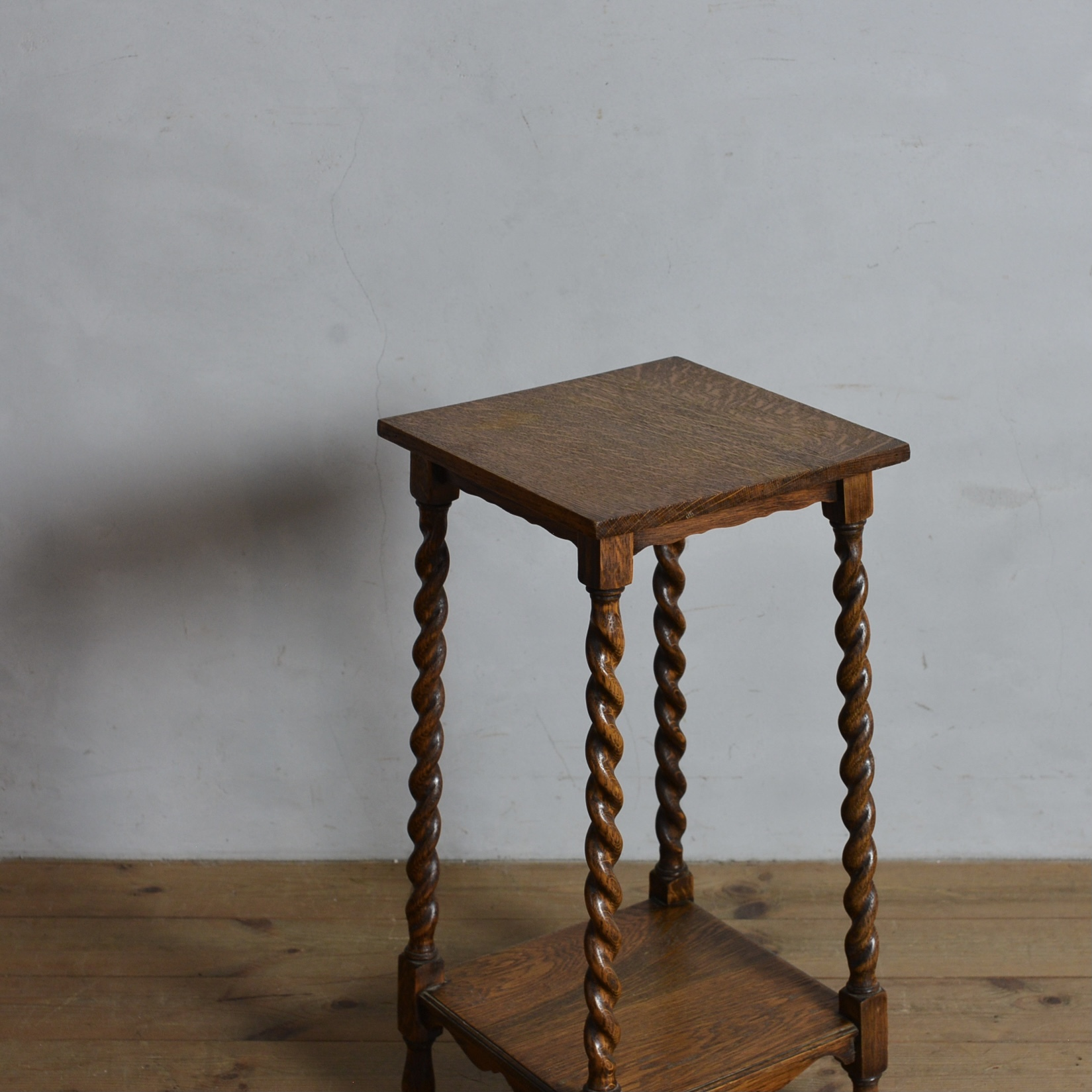 Side Table / サイド テーブル 〈花台・ティーテーブル・カフェ テーブル・アンティーク・ヴィンテージ〉112327
