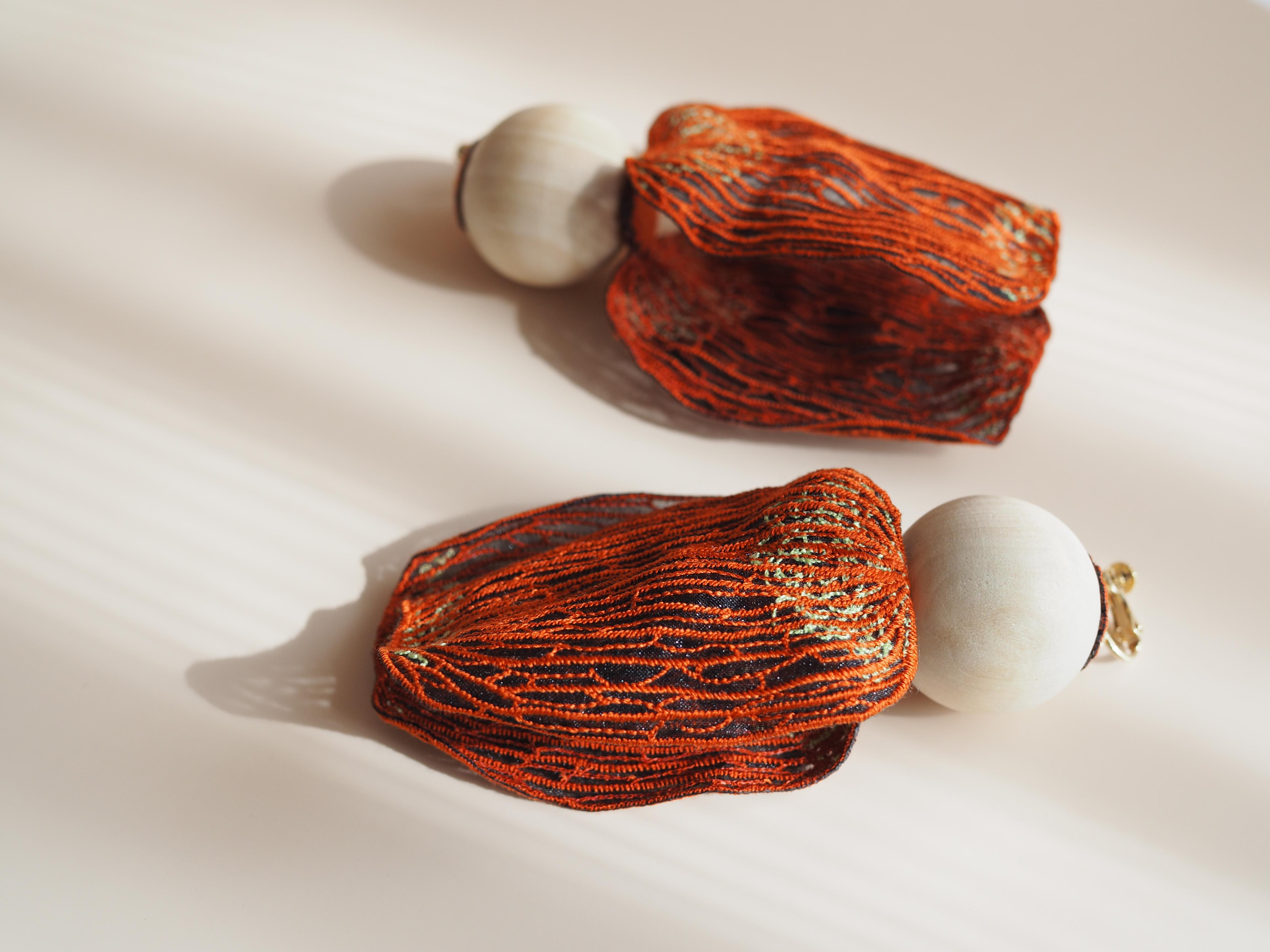 ARRO / Embroidery earrings / KALA / ORANGE
