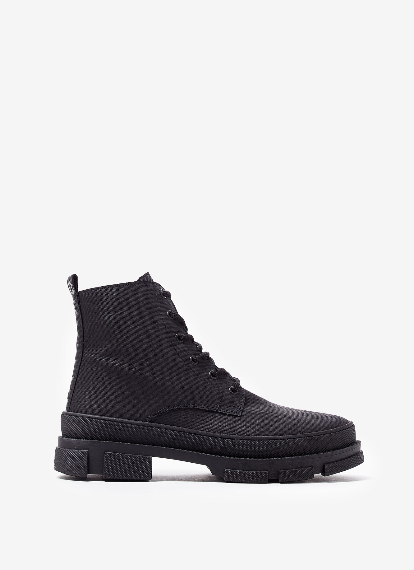 LACE-UP BOOTS WITH ZIPPER