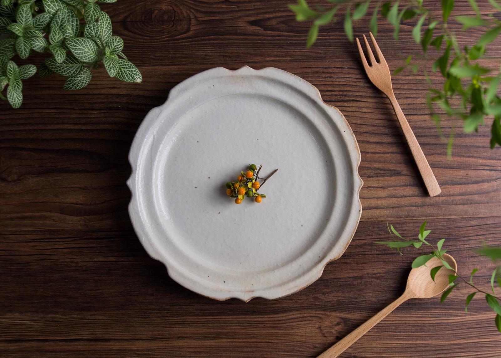 鉄散 彫刻皿(7寸)/古谷 浩一