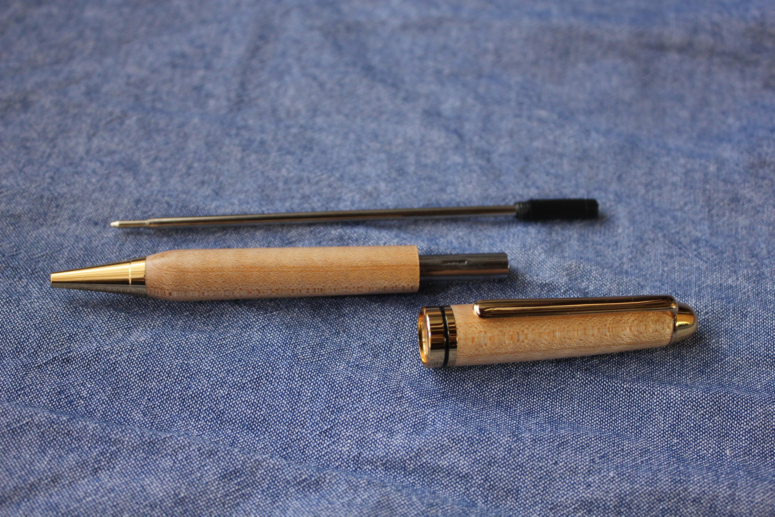 栃の木手作りボールペン