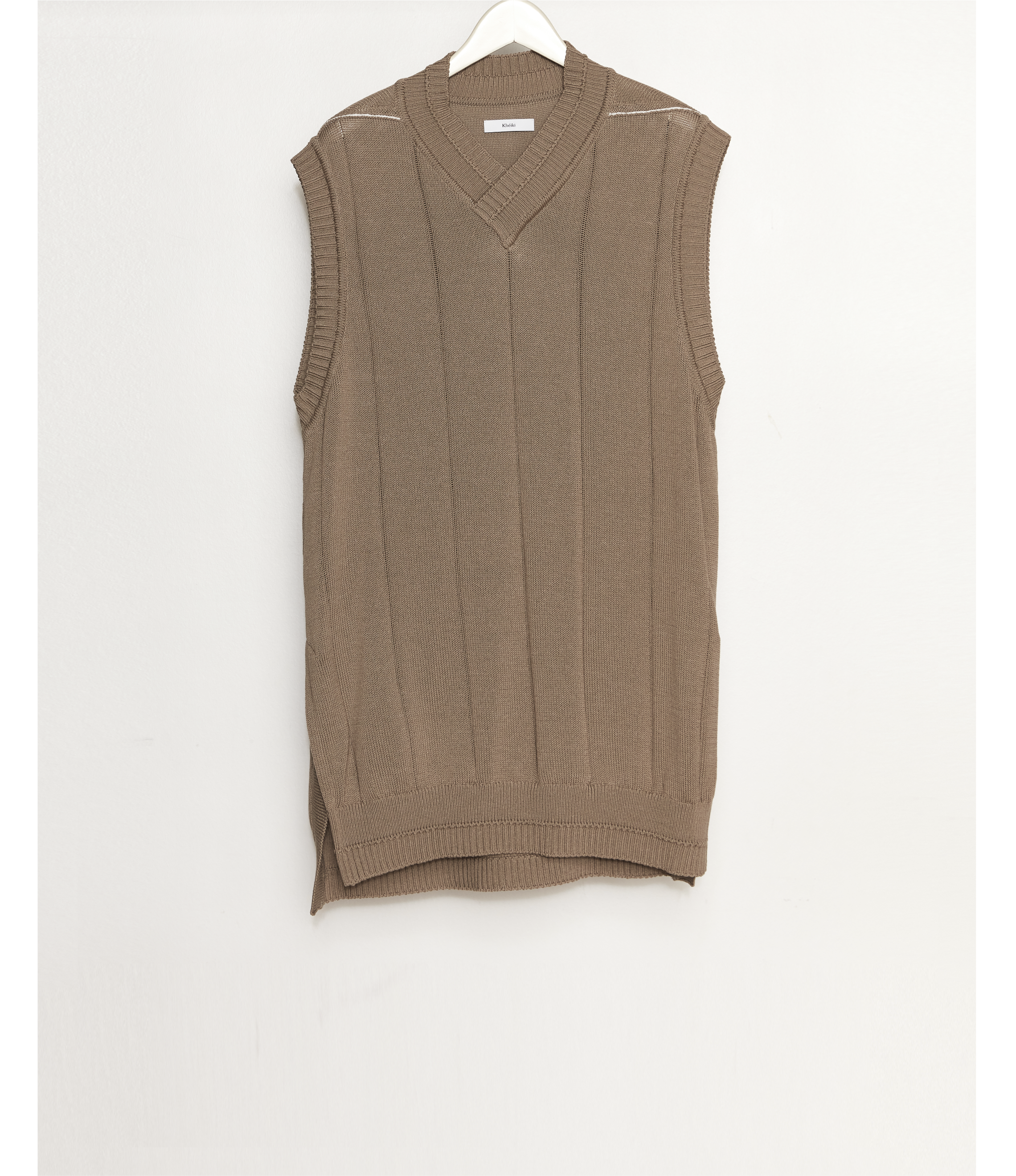 No Sleeve Sweater / L.Brown