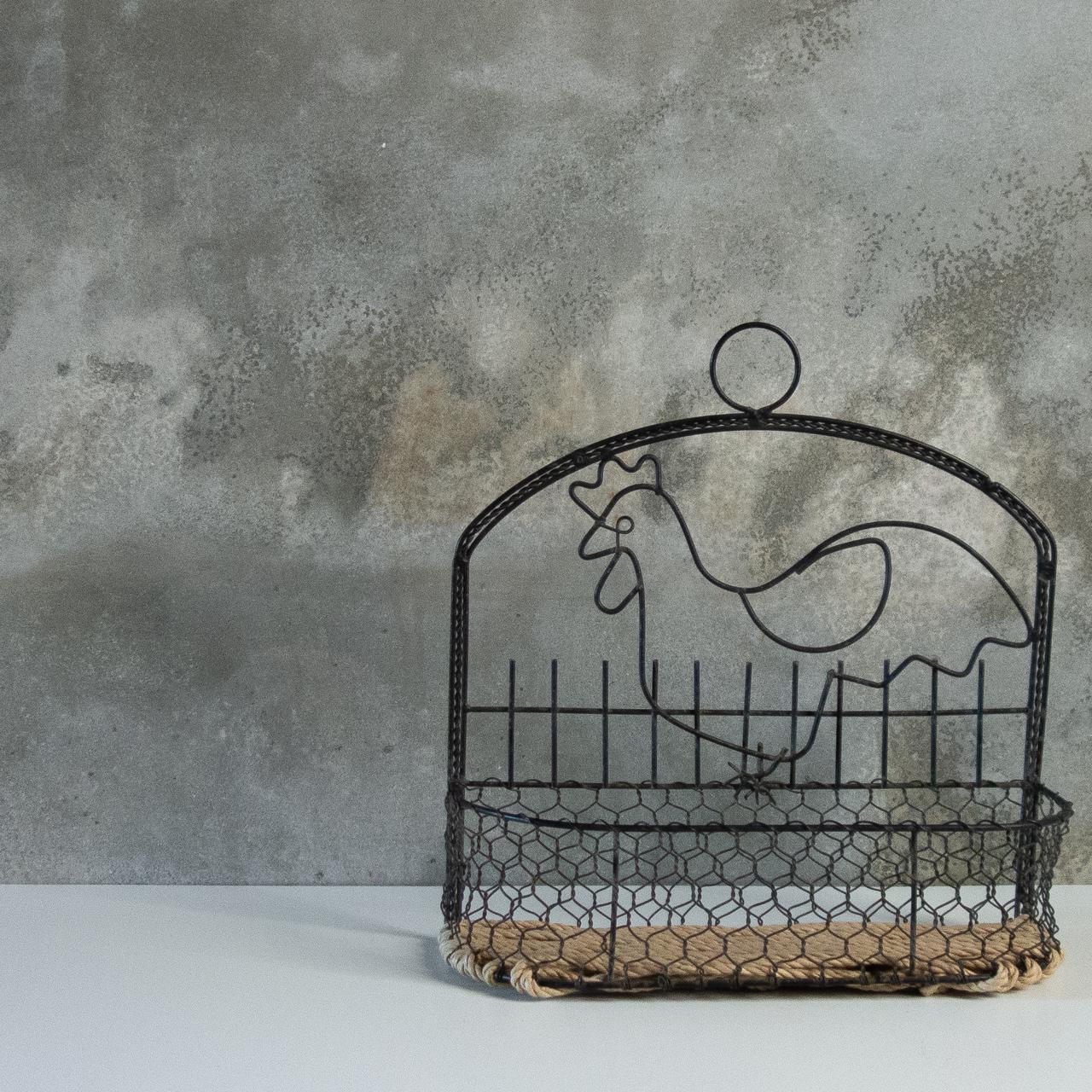 ニワトリのワイヤー籠