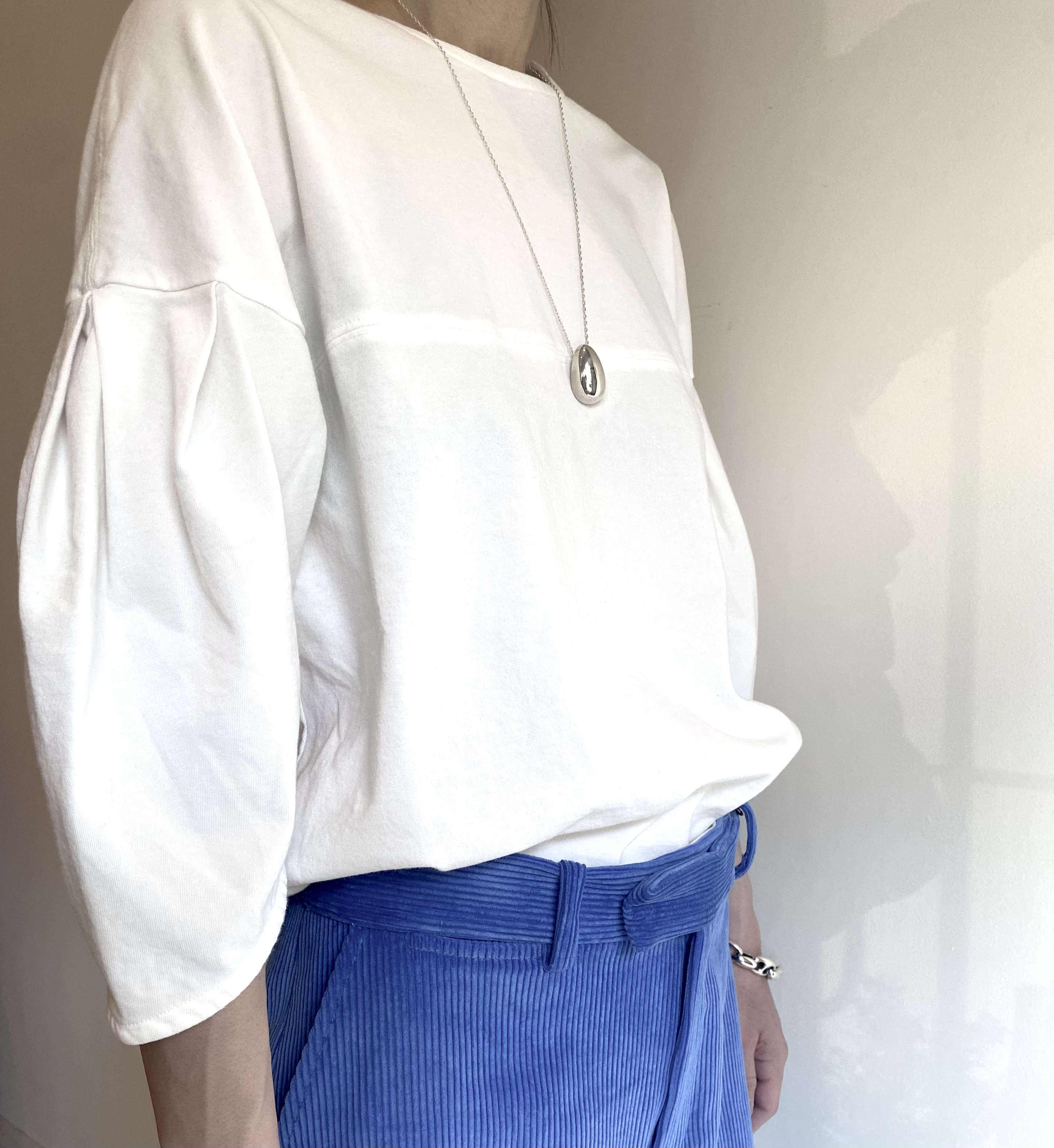 pelleq  [twisted cotton shell sleeve tee]