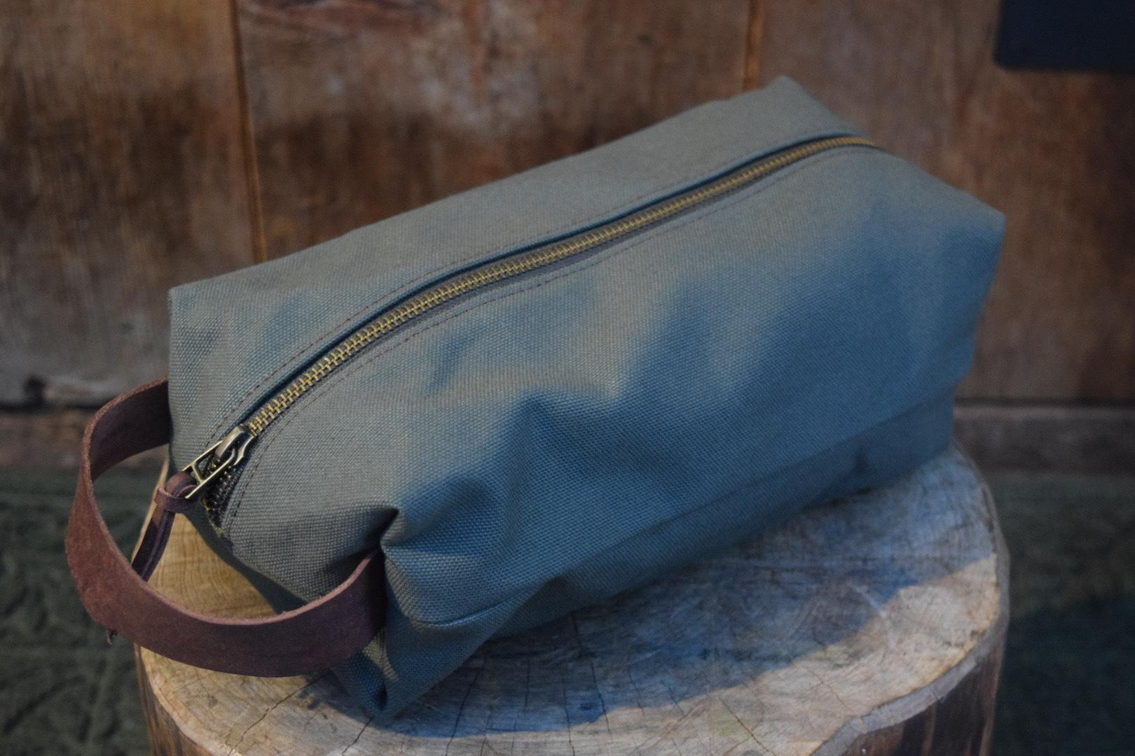 新品 Original Heavyduty pouch GREEN -Large G06