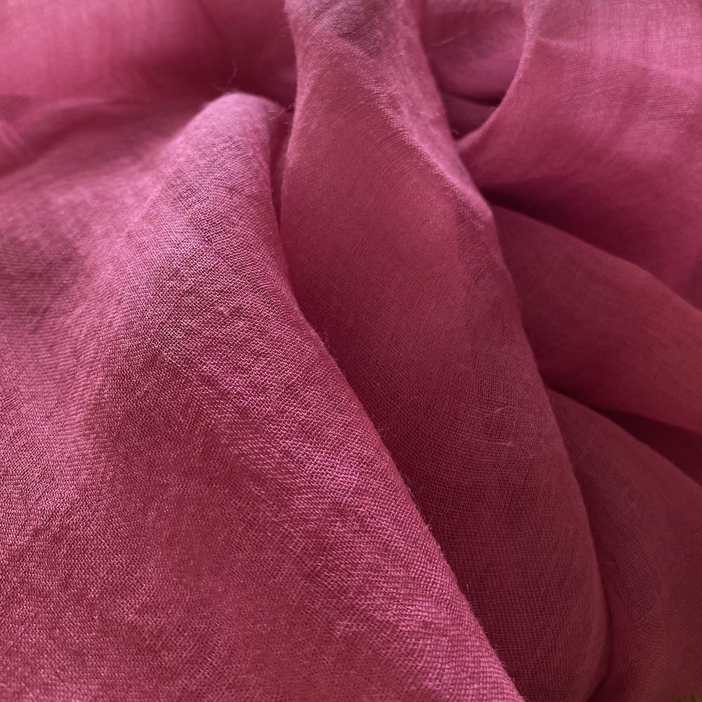 ピンクレッド 繊細な麻(ラミー)を使った柔らかな風合いのストール
