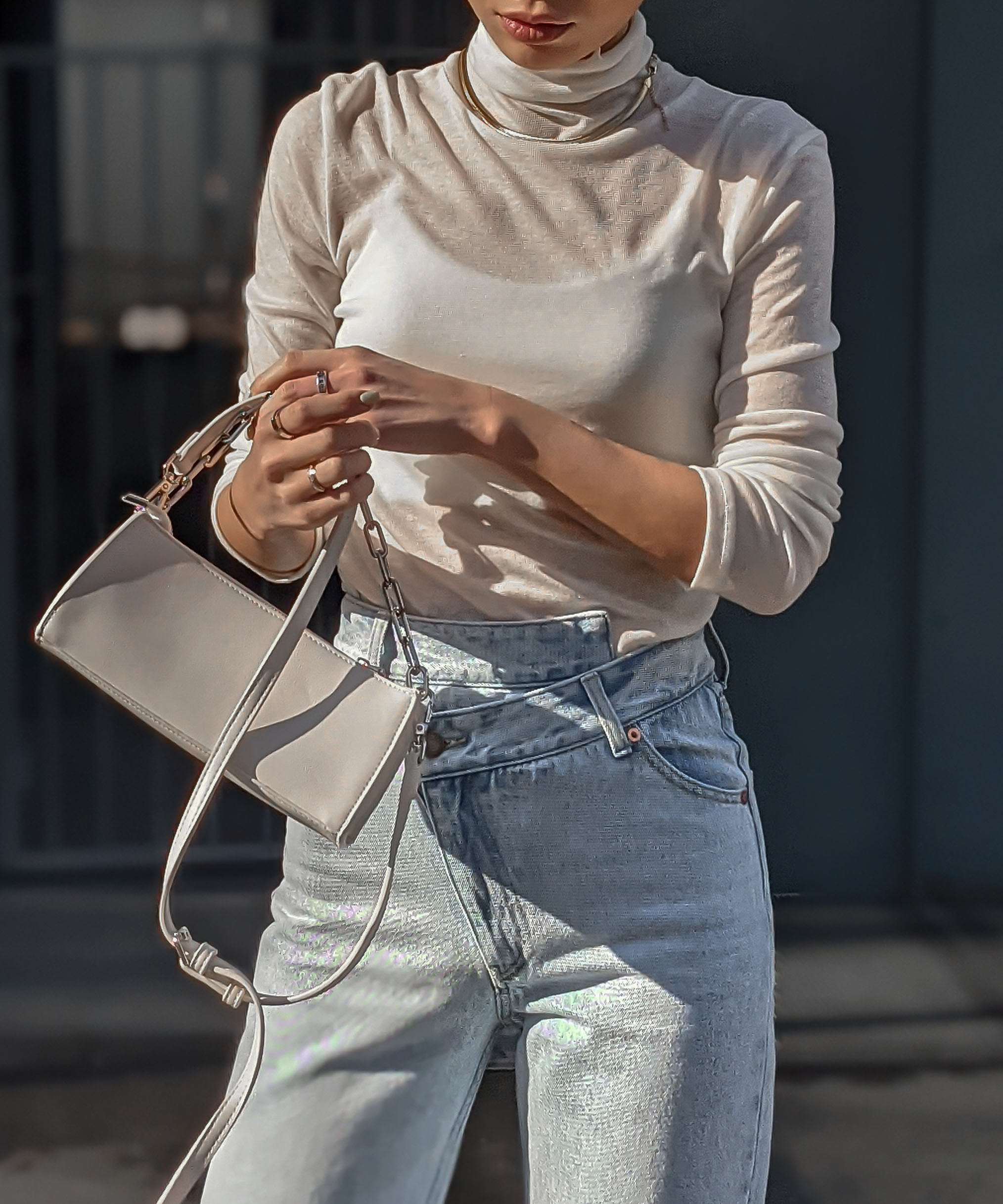 Airy fit high neck top