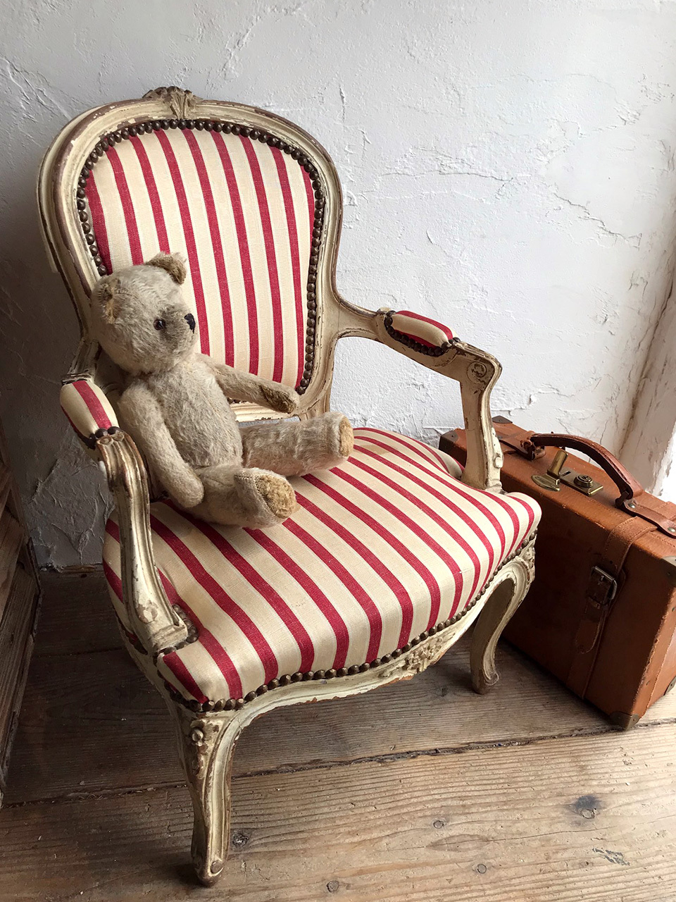 赤ストライプキッズ 猫脚 アームチェア 子供 椅子