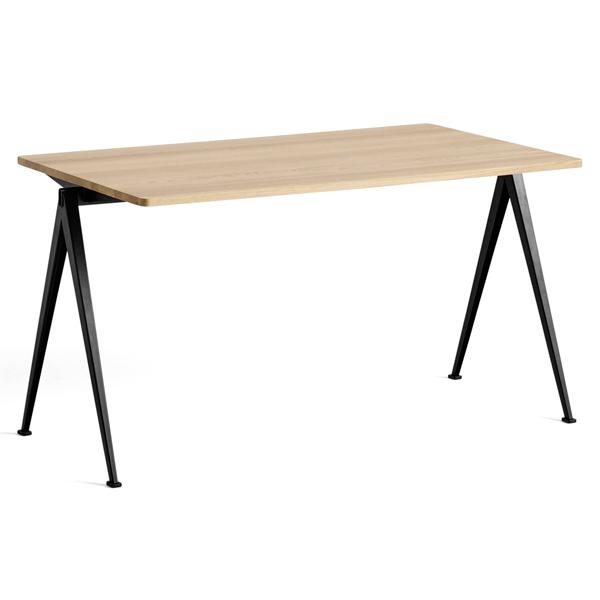 HAY PYRAMID TABLE 01 オーク/ブラック